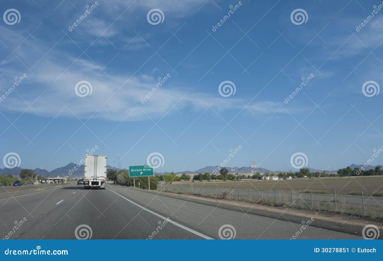 里维拉驱动, Blythe,加州