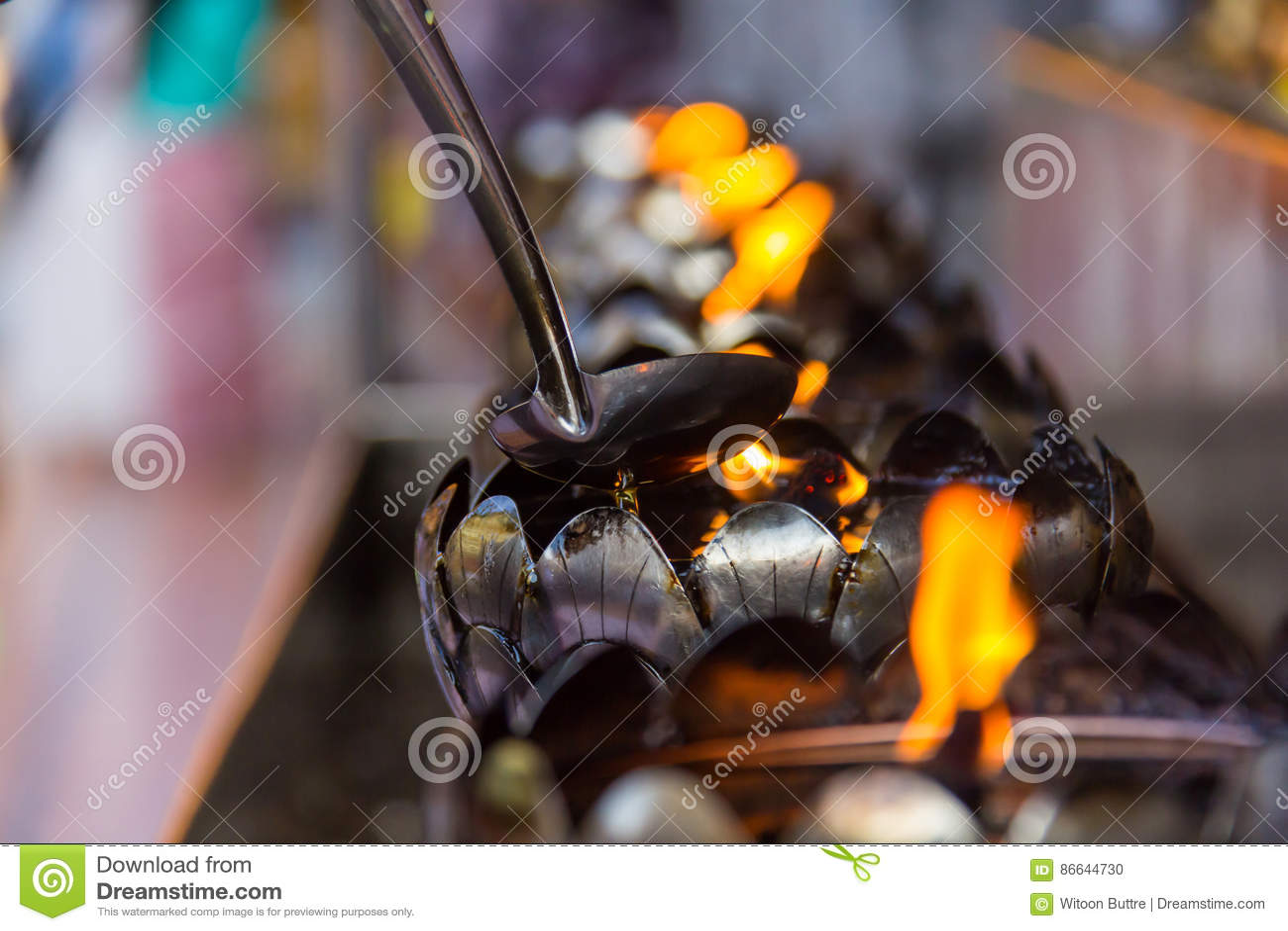 在铁灯的火