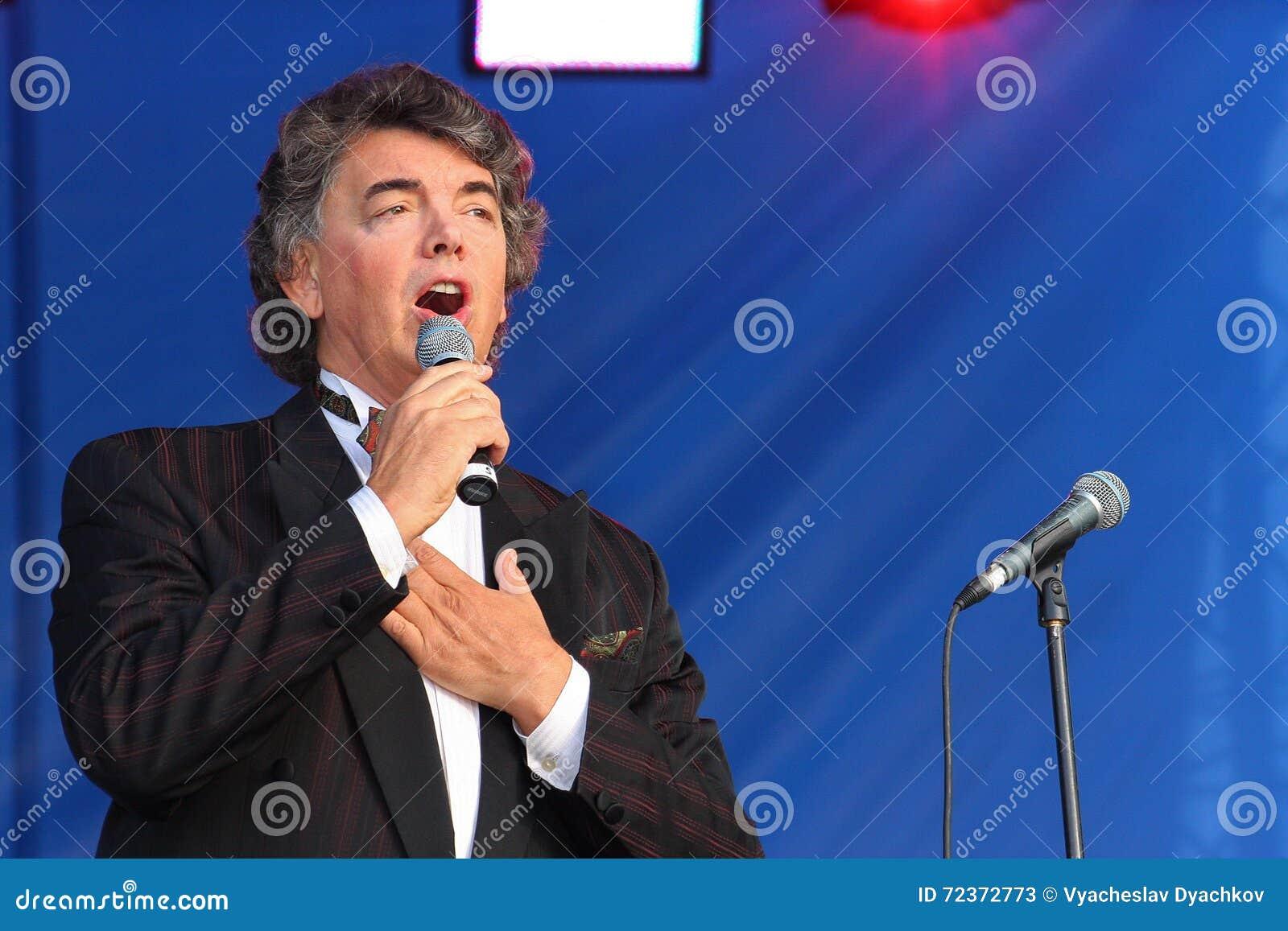 在阶段唱歌的歌剧歌手,演员,流行音乐明星,谢尔盖扎哈罗夫苏联和俄国音乐的神象