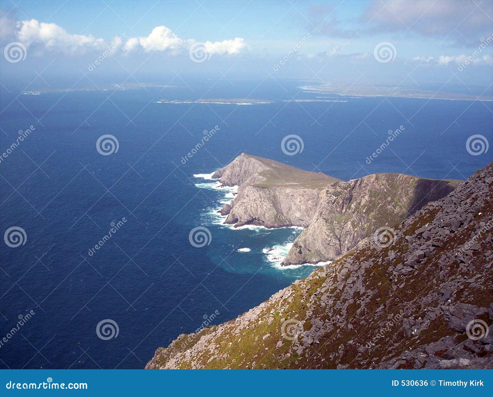 Download 在题头上面的achill 库存照片. 图片 包括有 展望期, 海岛, mayo, 蓝色, beautifuler - 530636