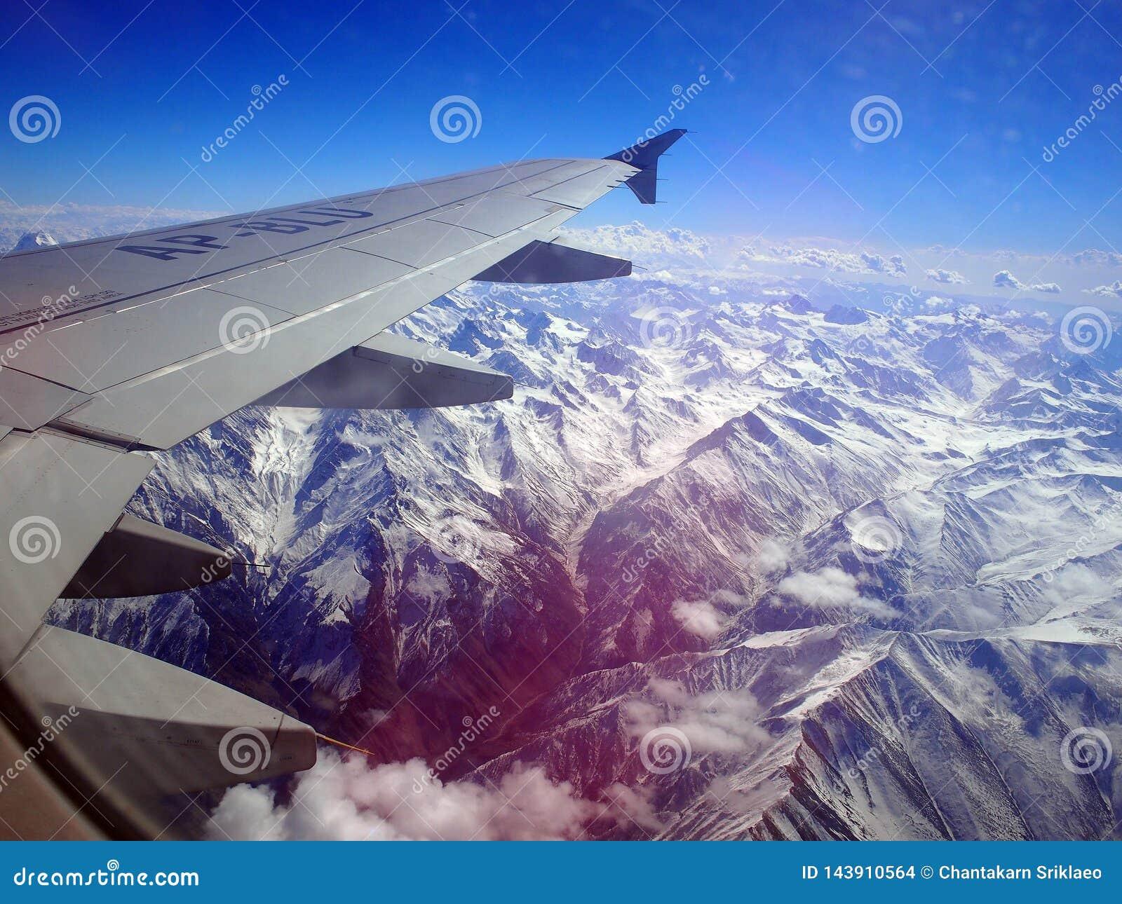 在飞机上向斯卡都,巴基斯坦