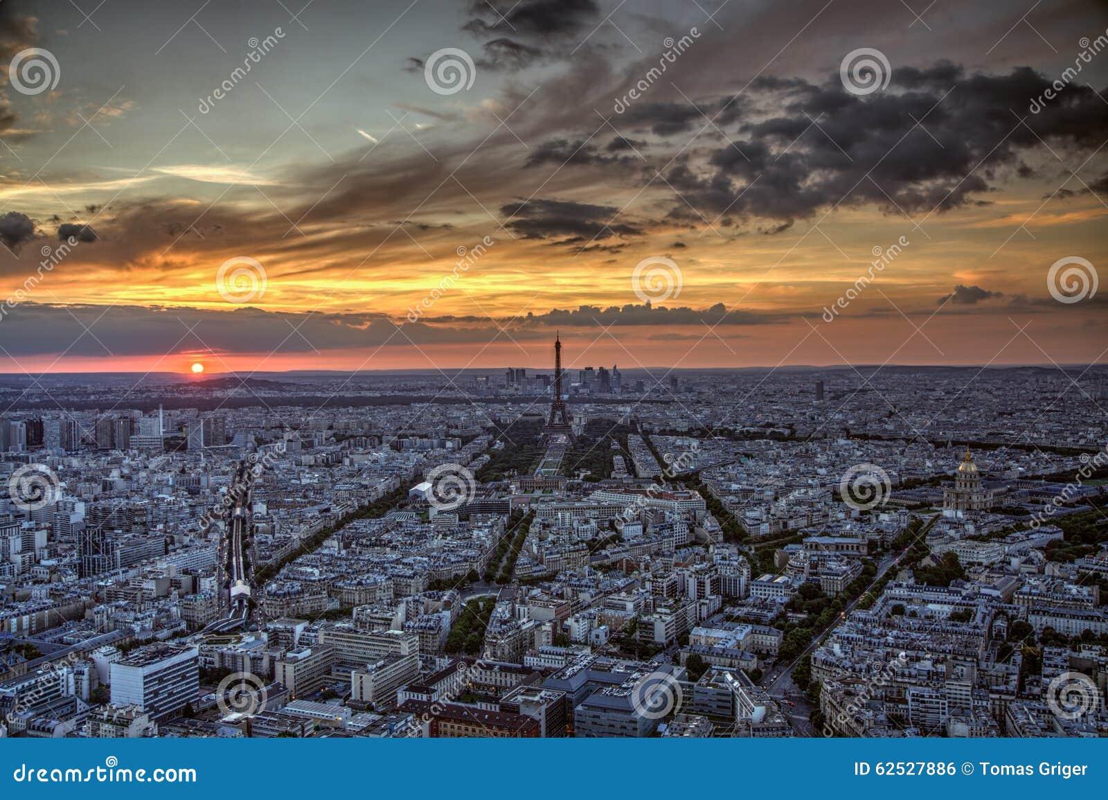 在巴黎日落