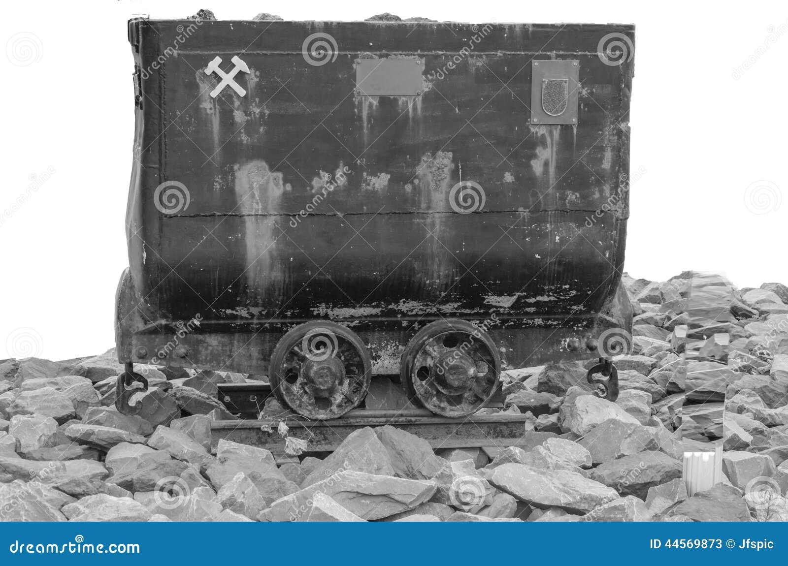 在黑白-射击的矿推车