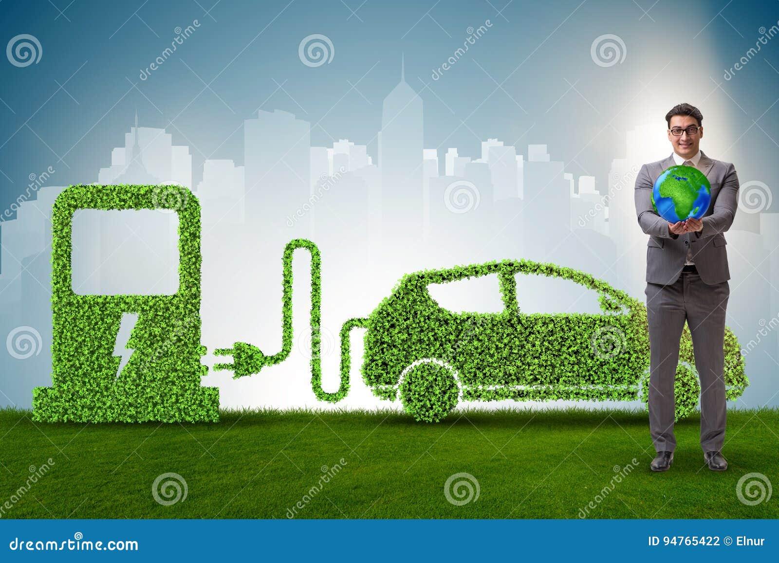 在绿色环境概念的电车概念