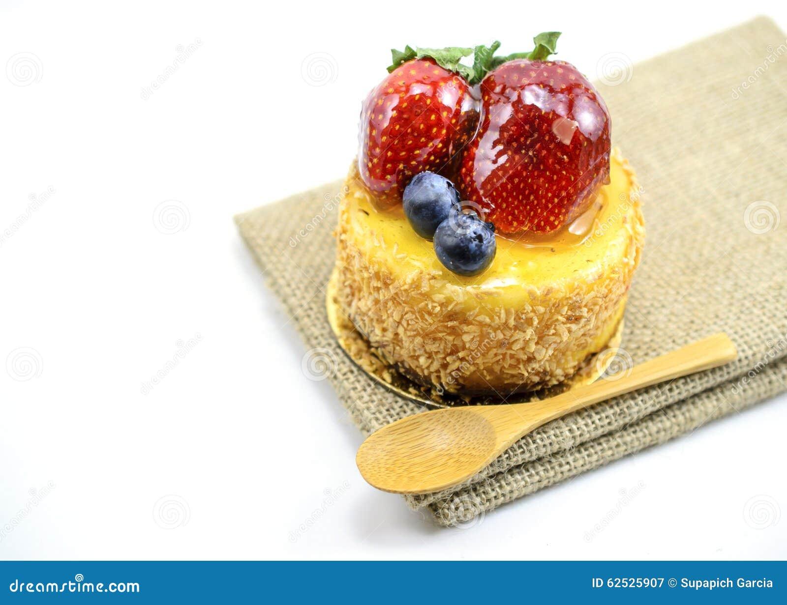 在黄麻,在ju的莓果甜点心的被隔绝的莓果乳酪蛋糕