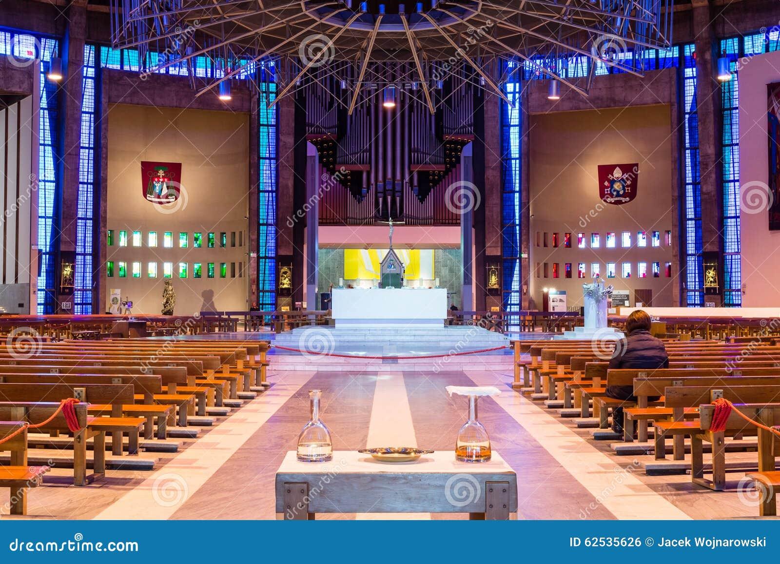 在A里面的利物浦大城市大教堂