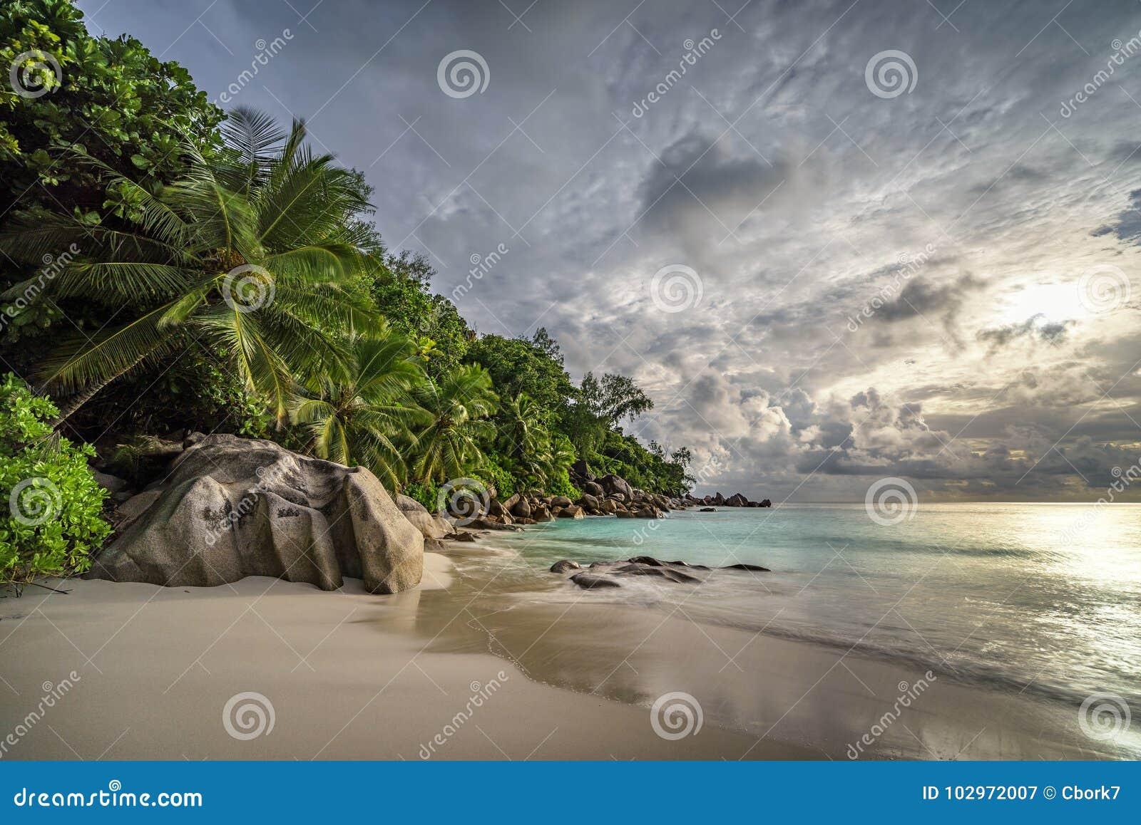 在anse乔其纱, praslin,塞舌尔群岛13的天堂海滩