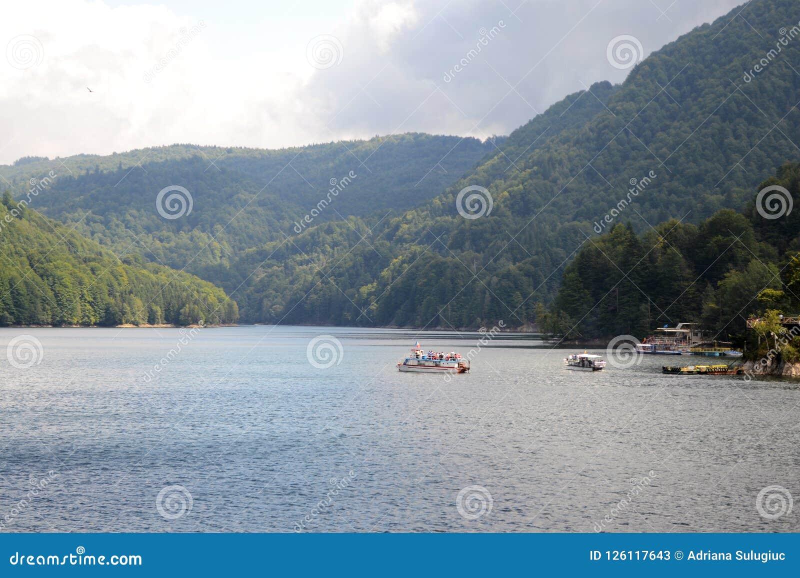 在Arges河的Vidraru水坝