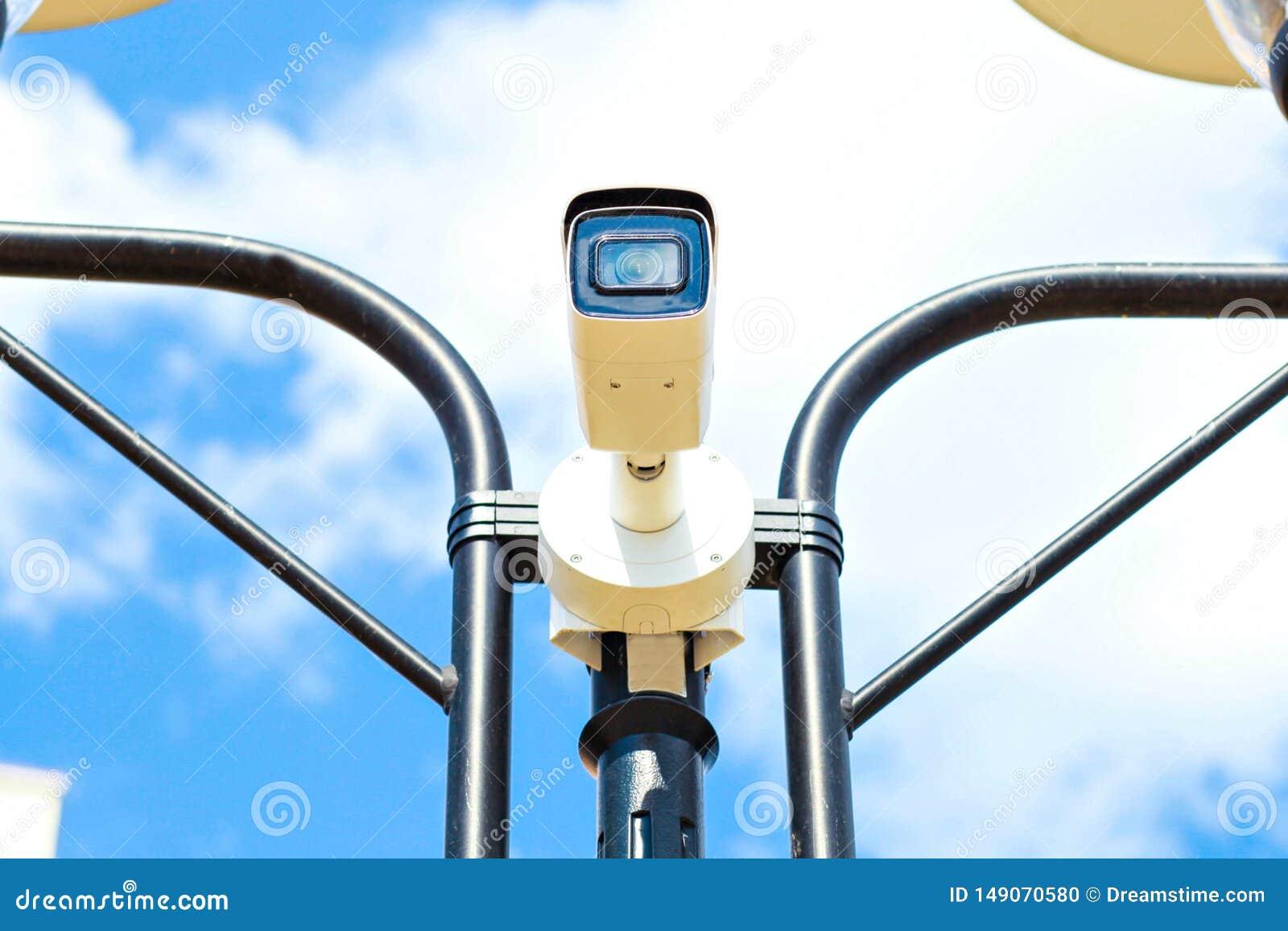 在avtobane的速度照相机 现代速度测量照相机