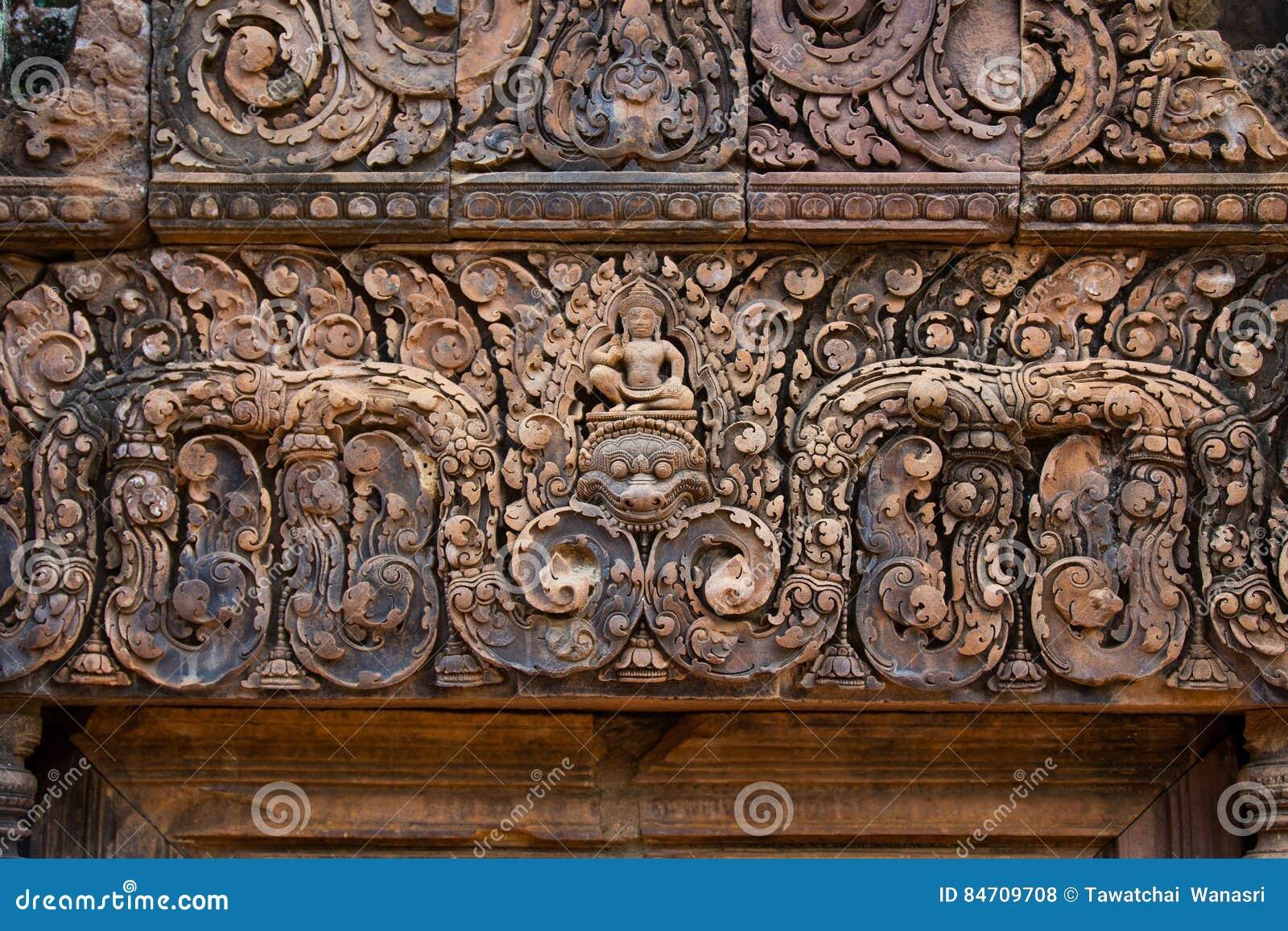 在Banteay Srei,柬埔寨的红砂岩雕刻