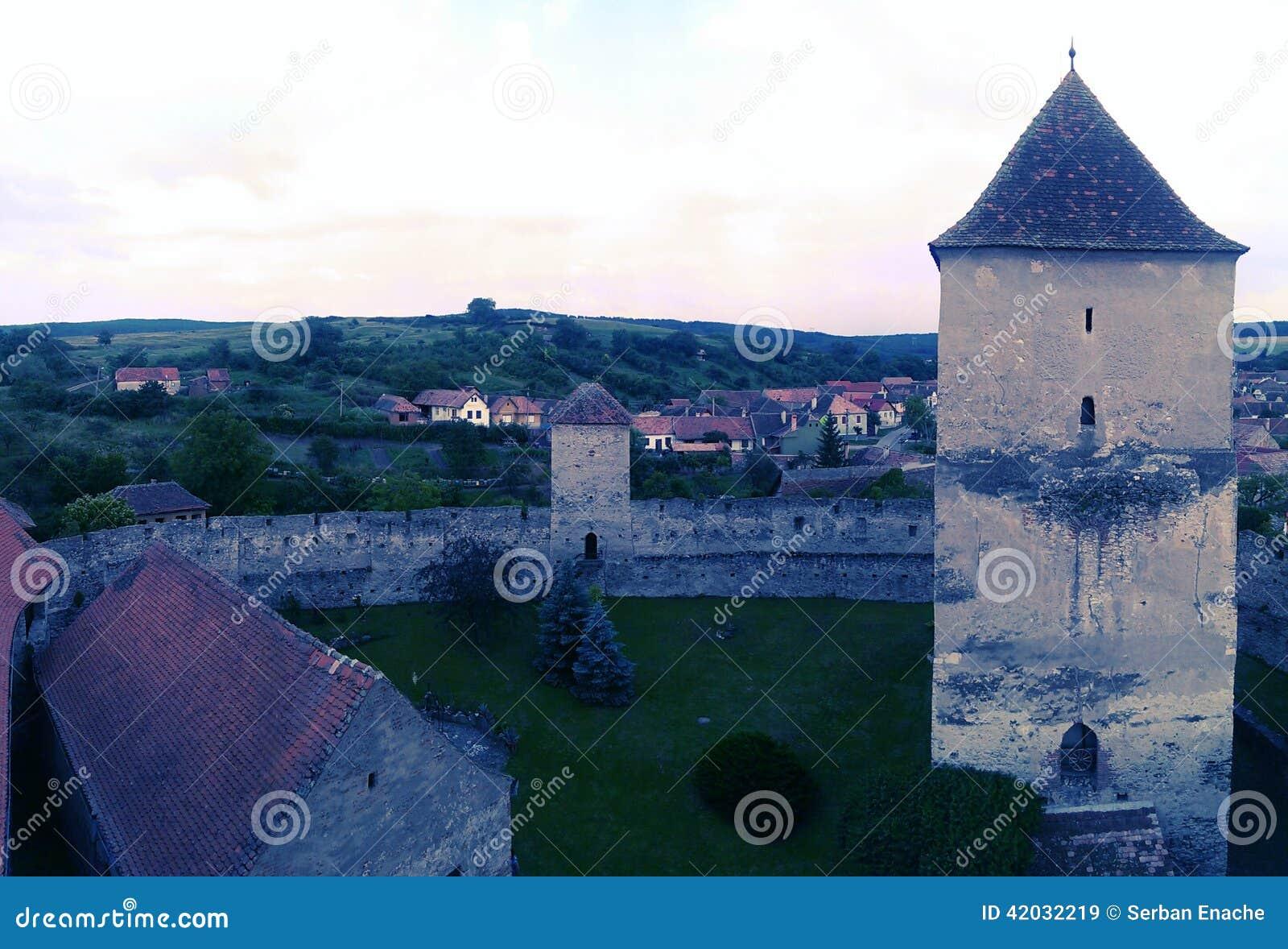 在Calnic城堡的教堂塔