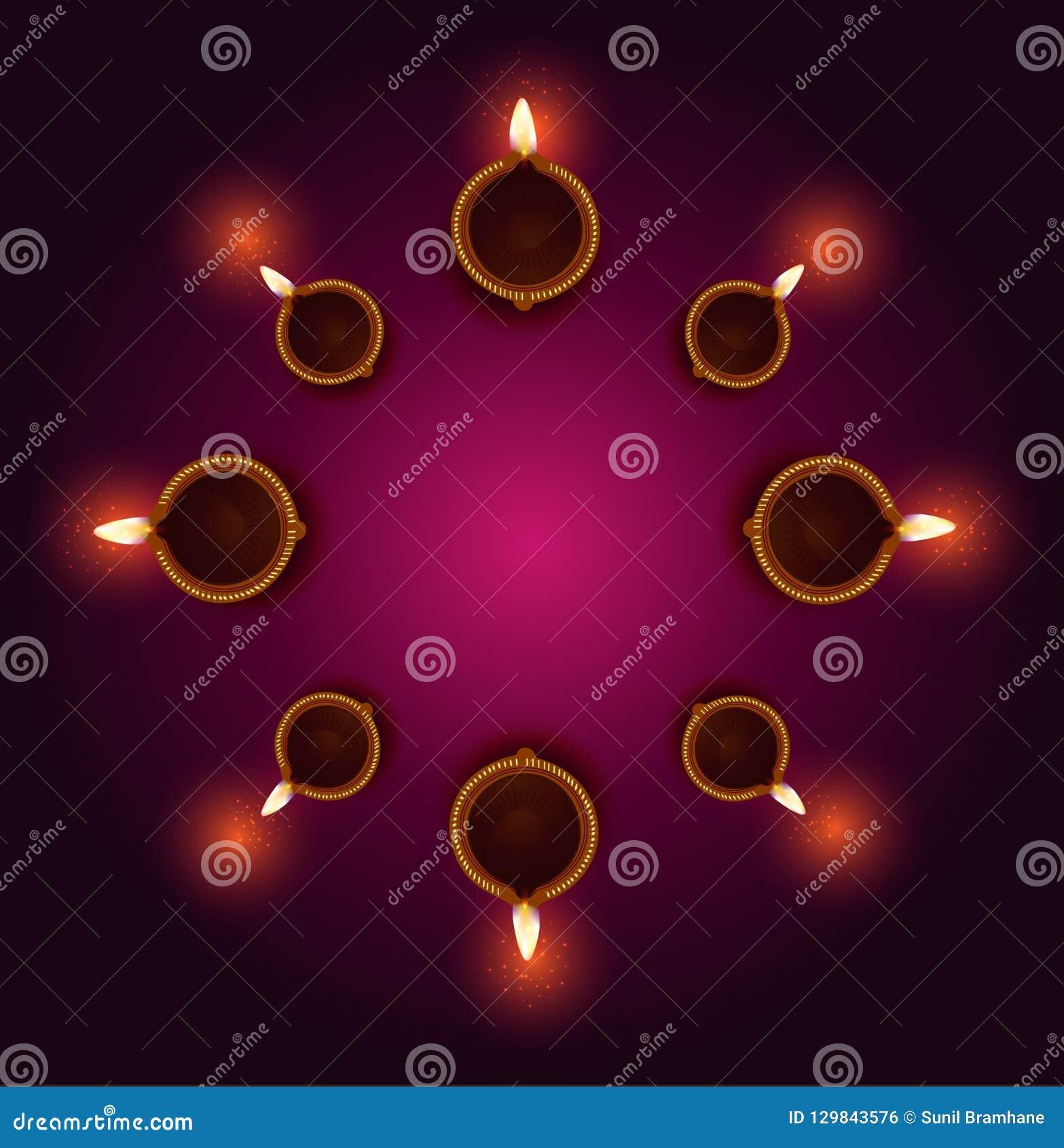 在diwali庆祝时被点燃的愉快的屠妖节迪雅灯