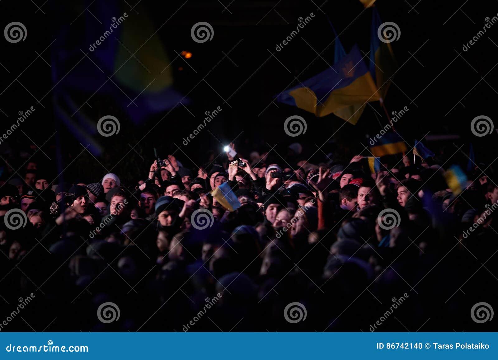 在Euromaydan的抗议在利沃夫州
