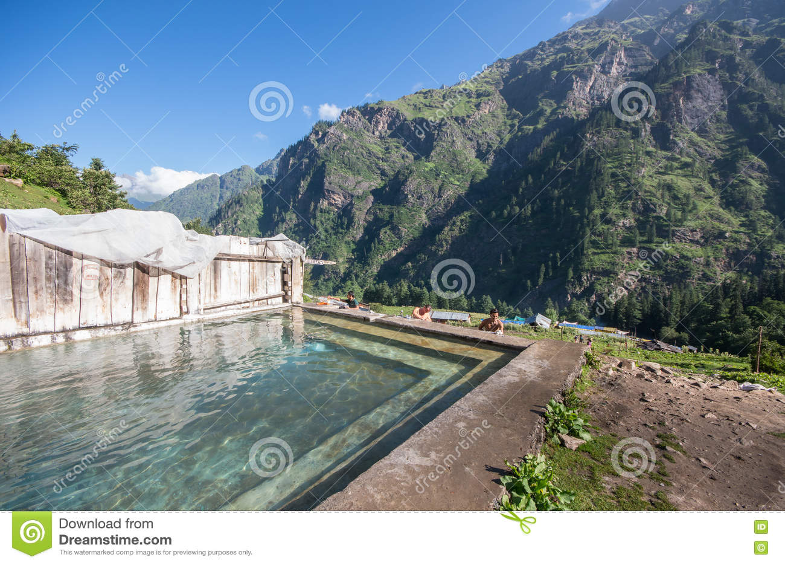 在Khir甘加-印度的热量浴