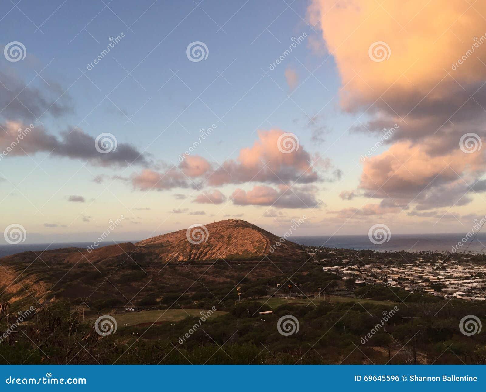 在Koko头火山口的日出