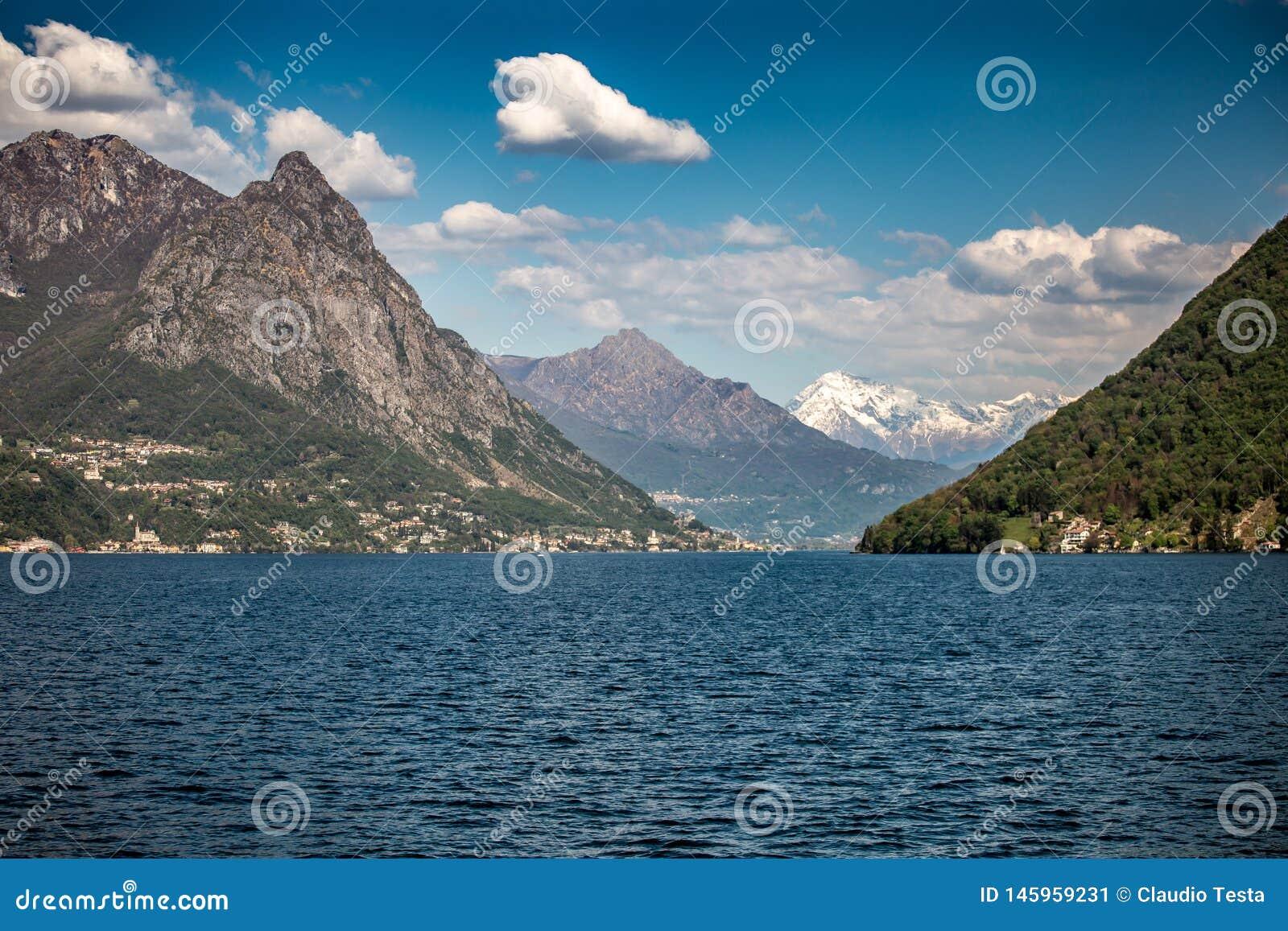 在Lugano湖的巡航
