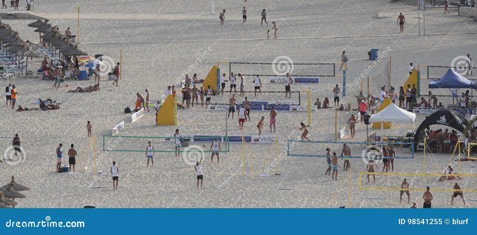 在magaluf海滩的Beack齐射