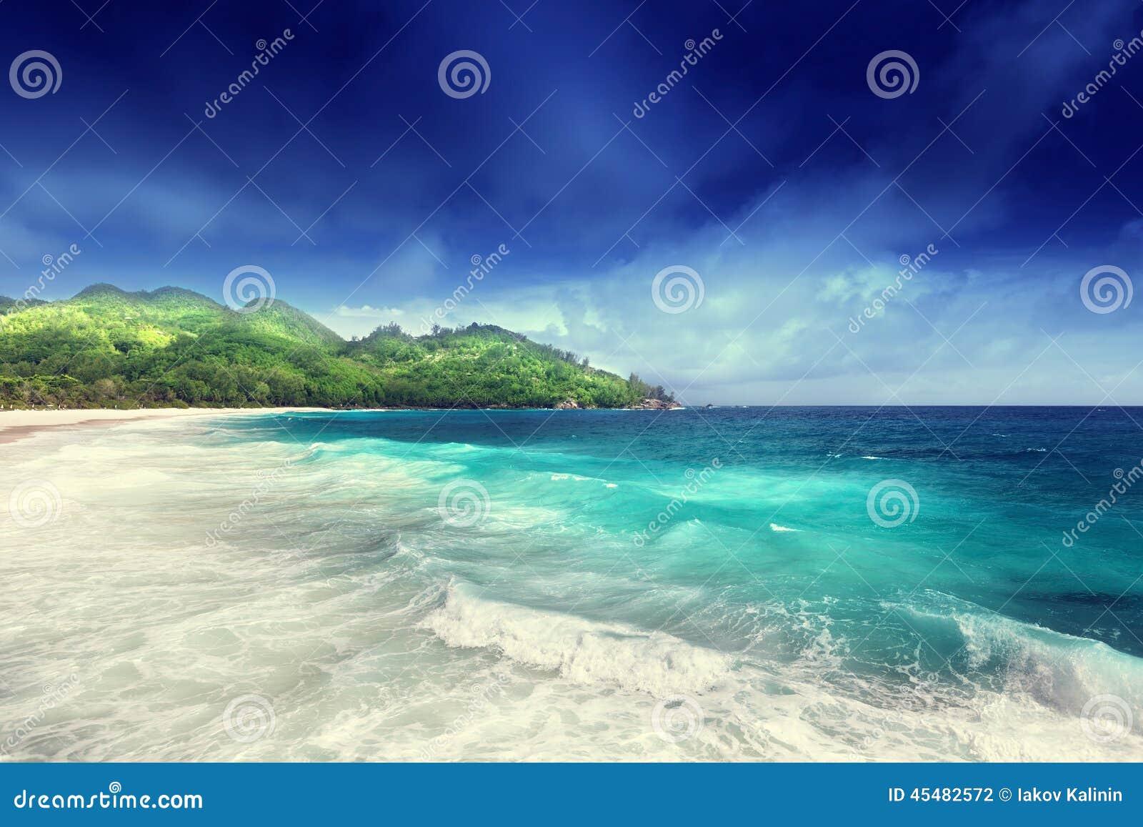 在Mahe海岛的海滩
