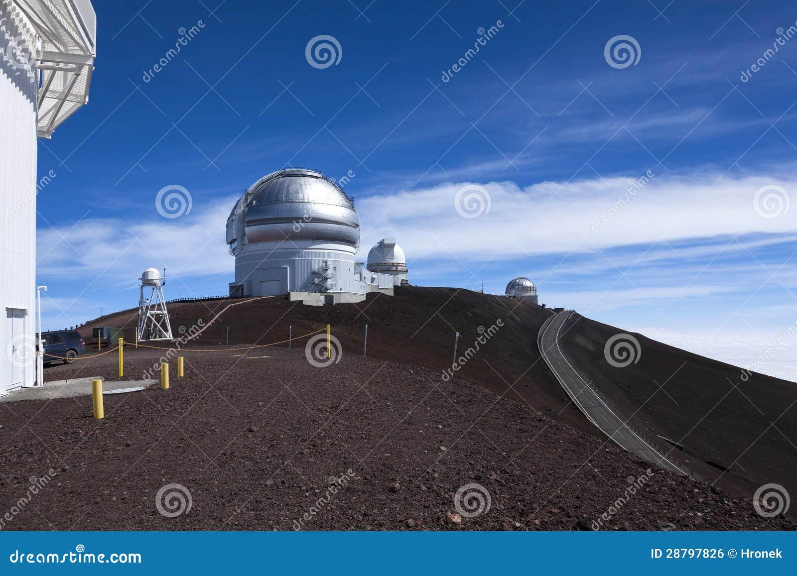 在Mauna Kea volc上面的双子星座和英国红外观测所