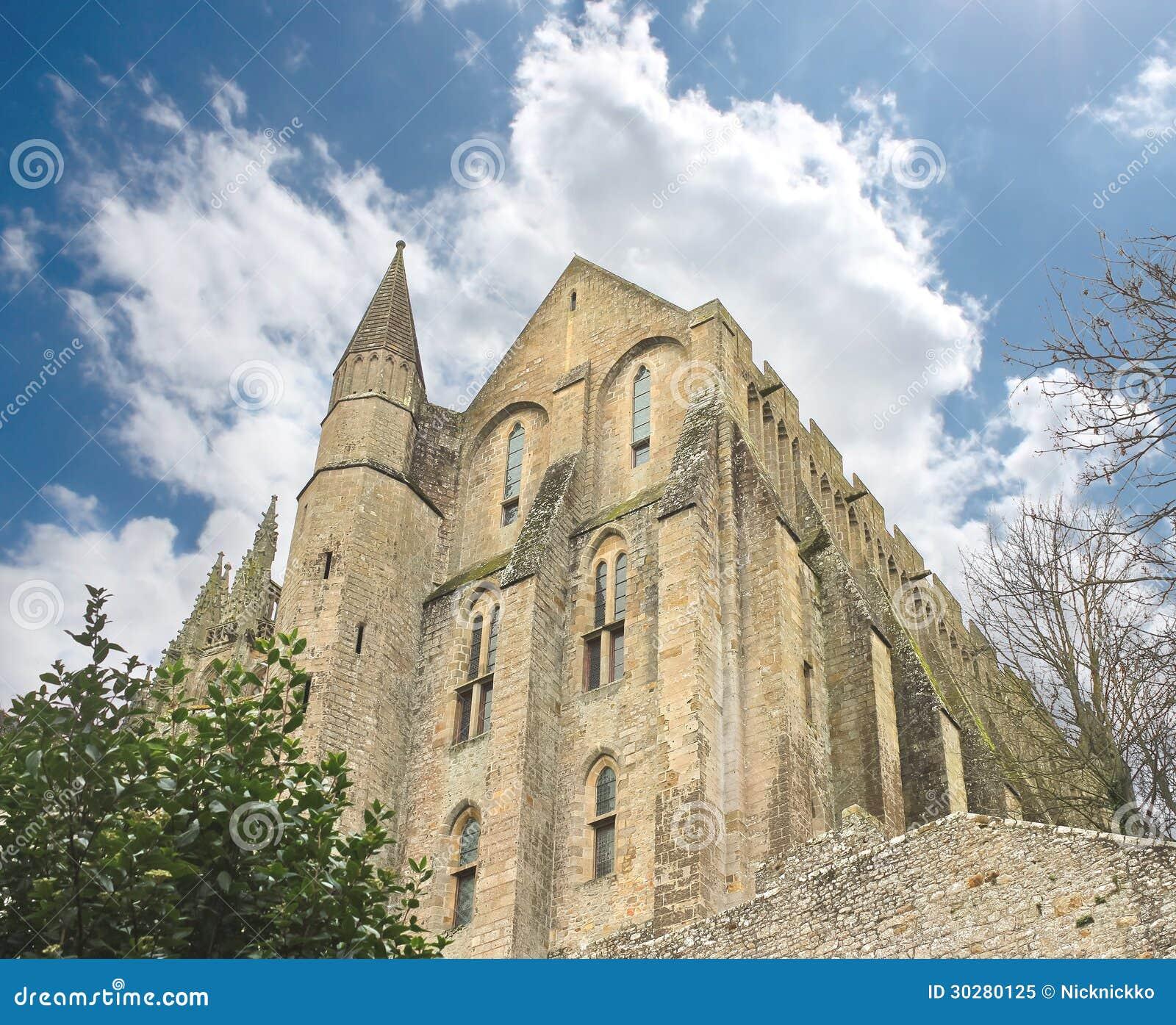 在Mont圣徒耸立米谢尔修道院里。