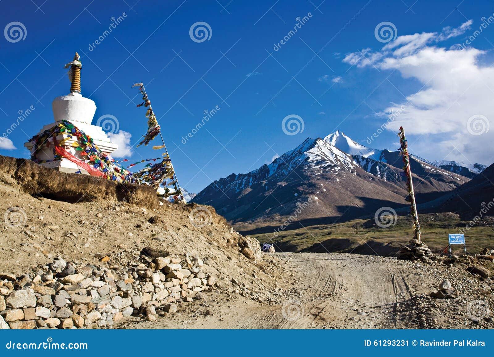 在Rangdum修道院, Zanskar谷,拉达克,查谟和克什米尔,印度附近的一个风景