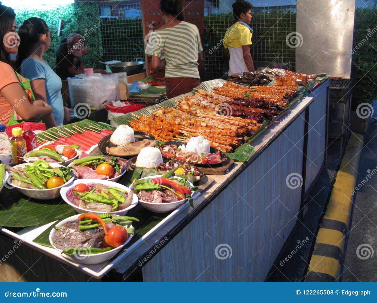 在Robinsons Novaliches义卖市场的街道食物