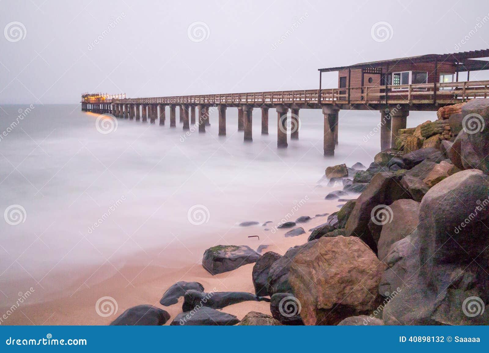 在swakopmund的码头在纳米比亚