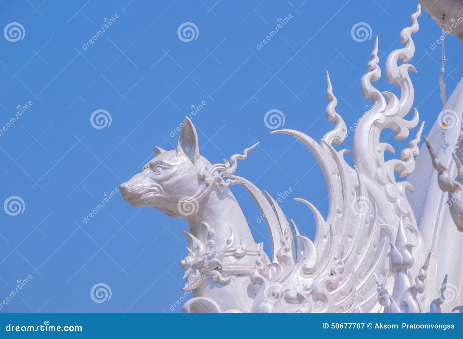 Download 在Wat荣Khun屋顶的装饰 库存图片. 图片 包括有 修士, 造型, 题头, 蓝色, 聚会所, 文化, 装饰 - 50677707