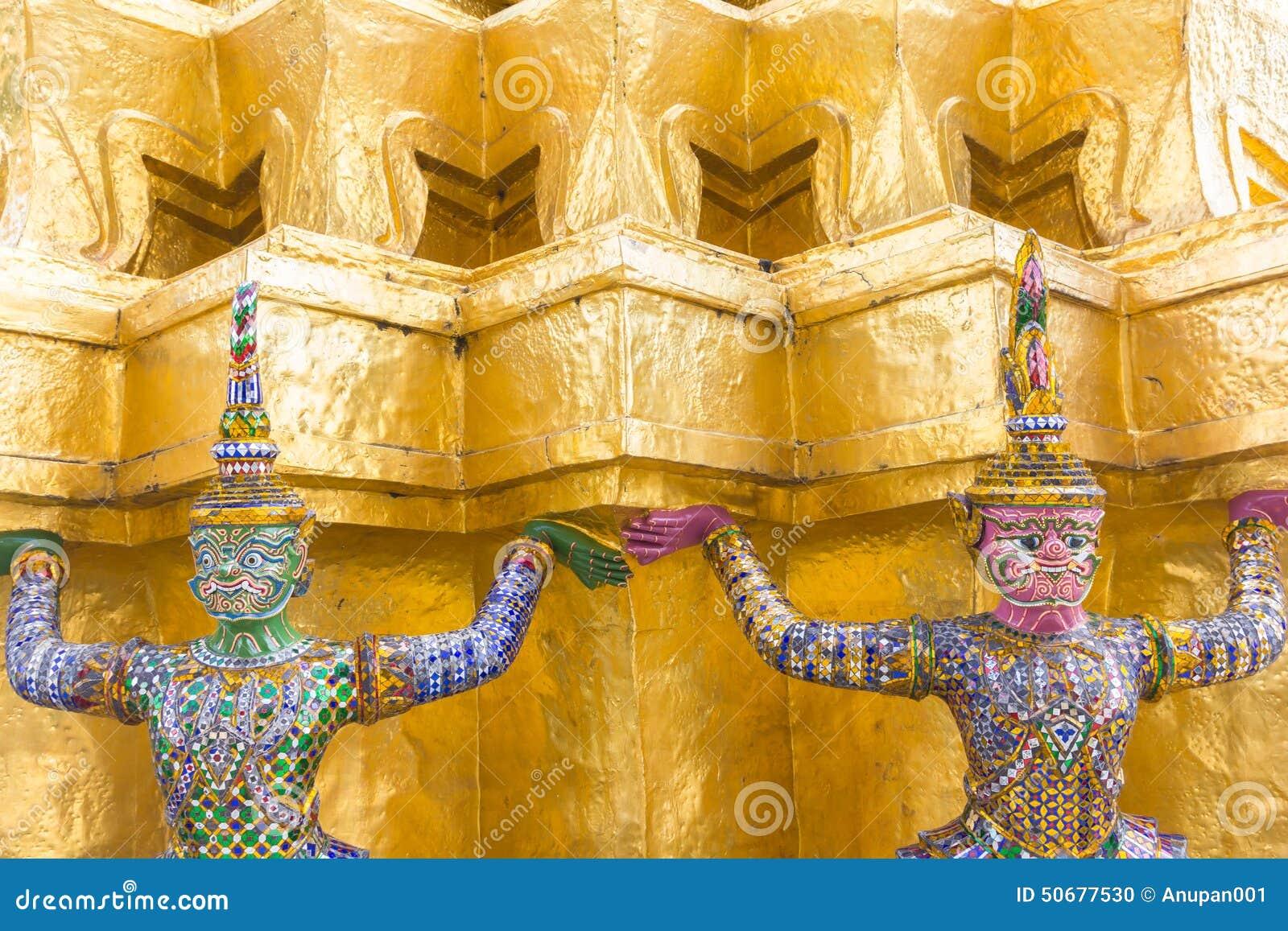 Download 在Wat Pra Kaew,曼谷泰国的巨人 库存照片. 图片 包括有 监护人, 历史, 轰隆的, beautifuler - 50677530