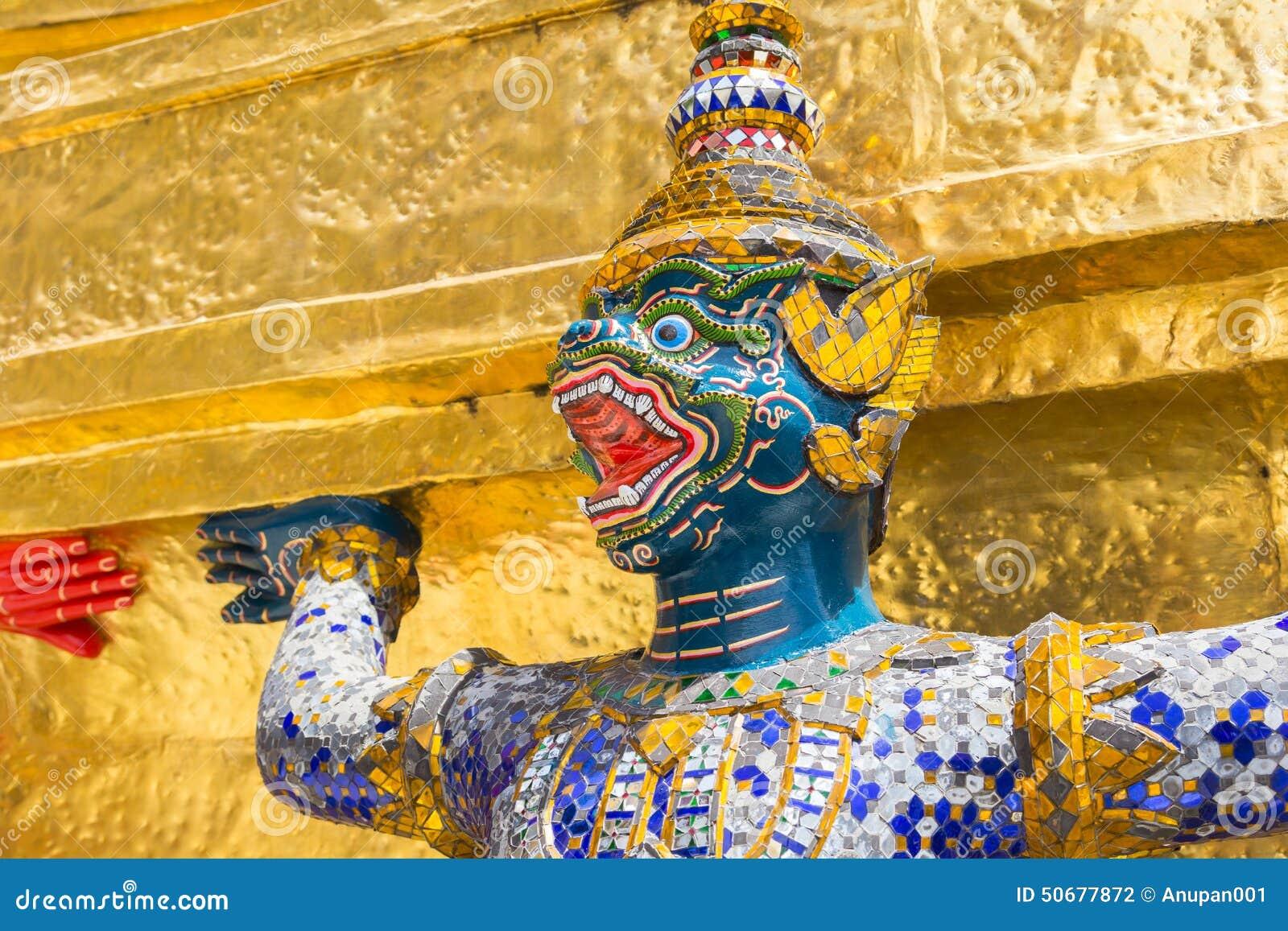 Download 在Wat Pra Kaew,曼谷泰国的巨人 库存照片. 图片 包括有 信仰, 顽皮地, 轰隆的, 绿宝石 - 50677872
