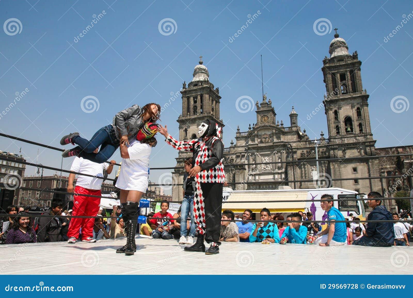 在Zocalo的墨西哥lucha libre在墨西哥城