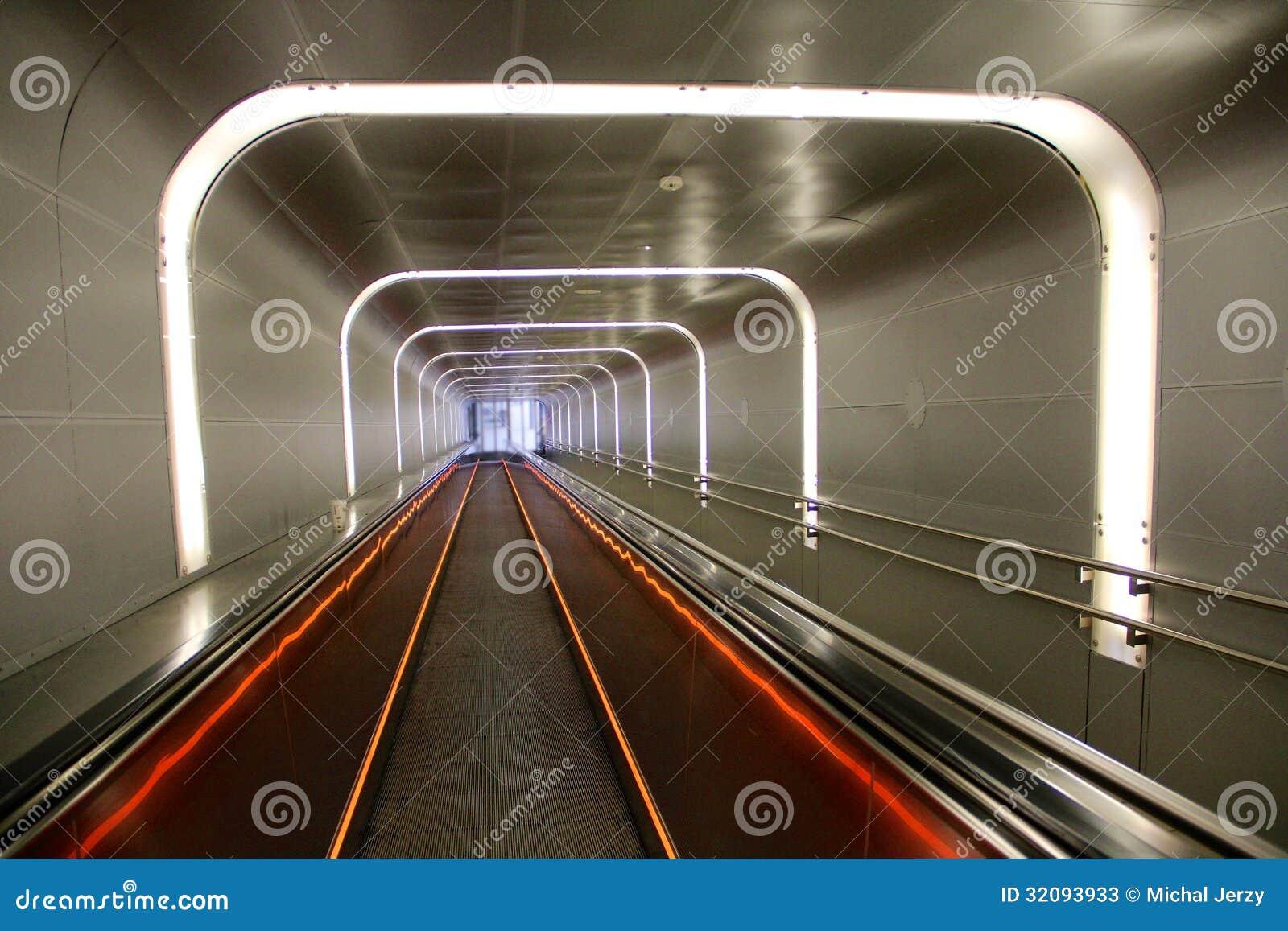 地下哹��z(`:ke9�g���:�_地下隧道在奥斯陆
