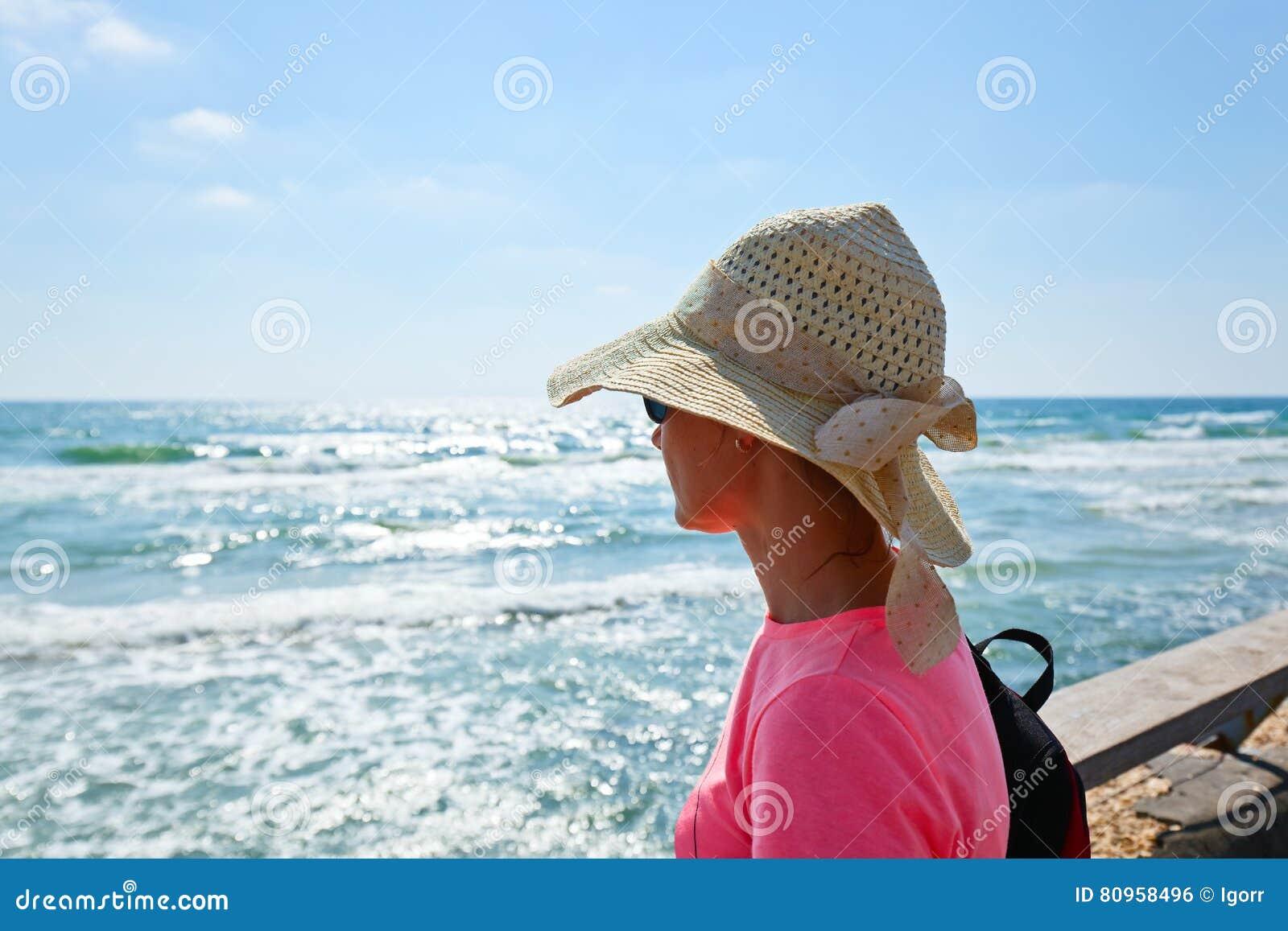 地中海岸的妇女