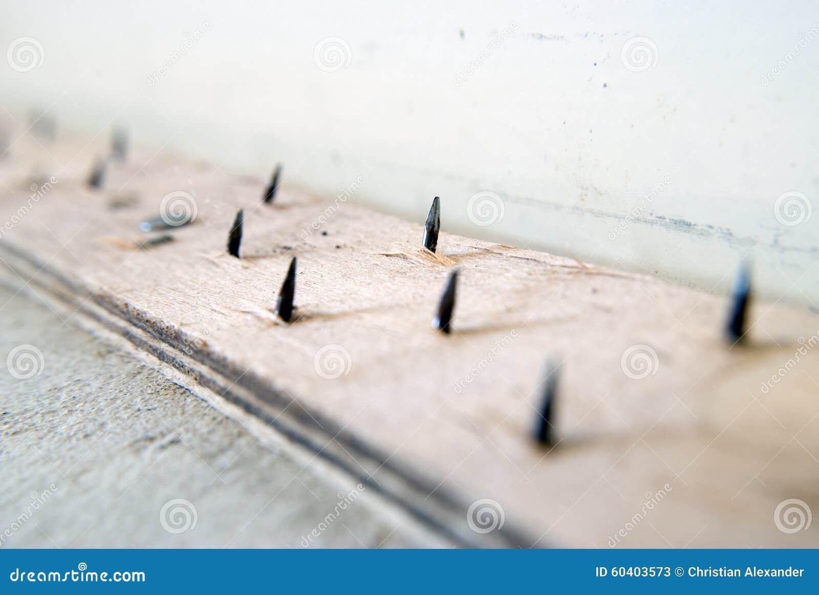 地毯设施准备-光滑的边缘