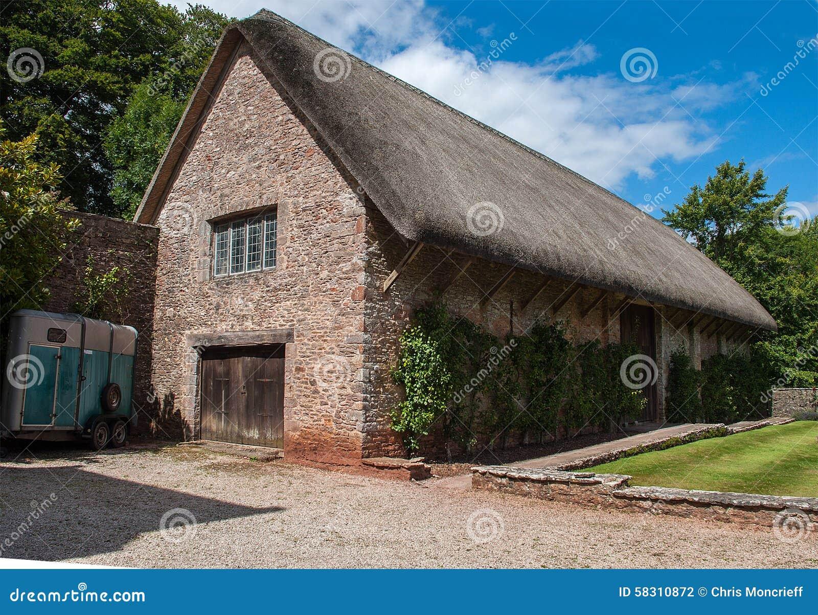 坎顿城堡Thatached谷仓