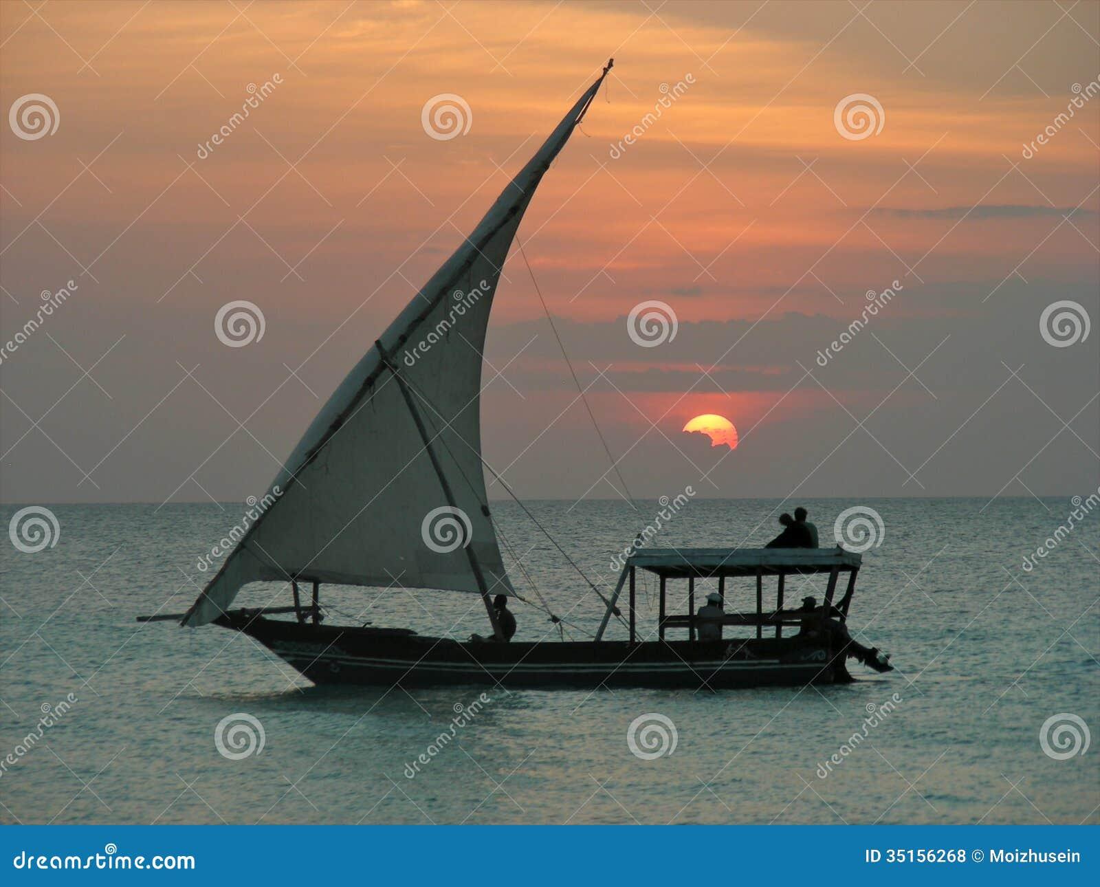 坦桑尼亚的单桅三角帆船