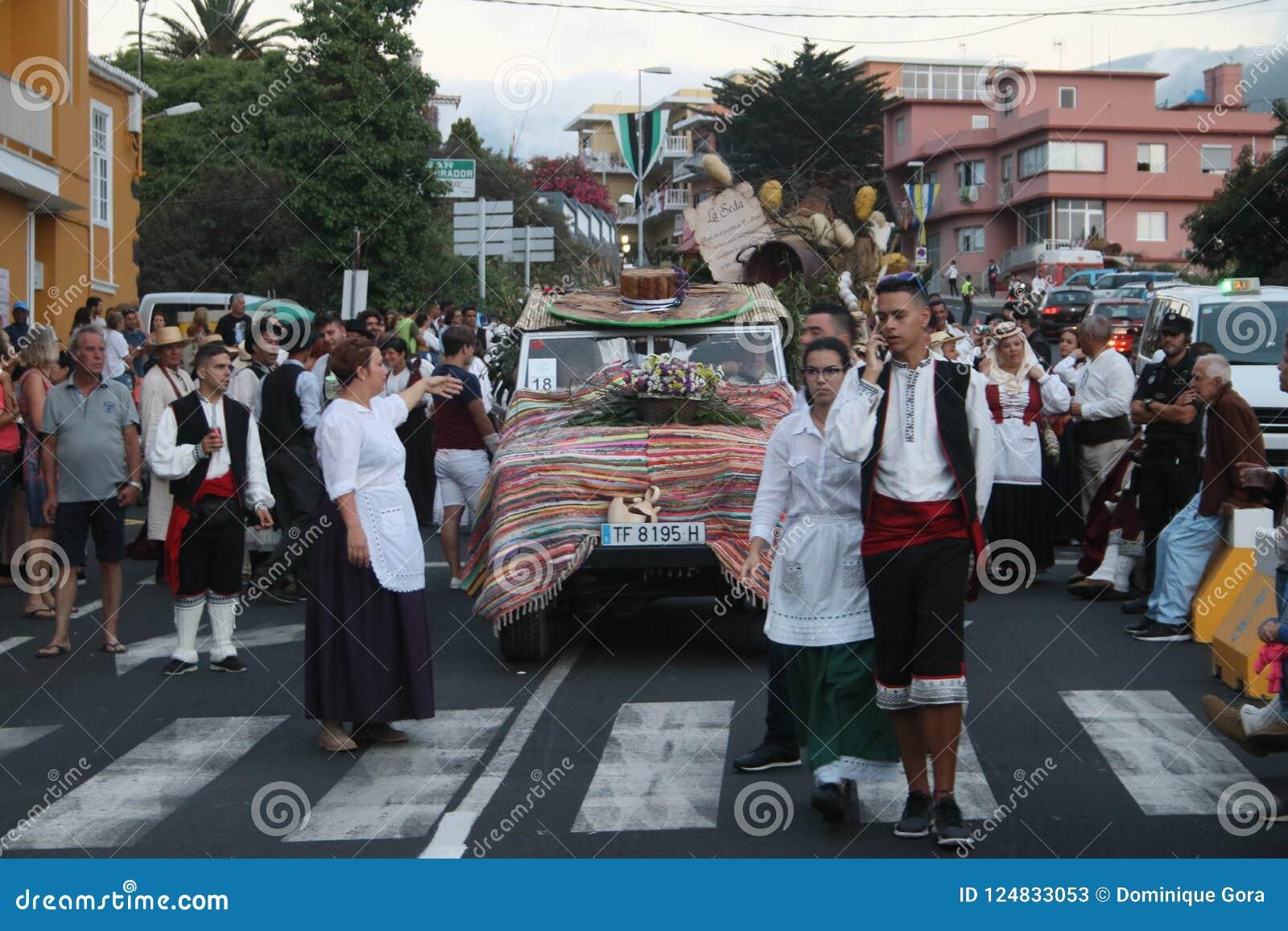 埃尔帕索,西班牙- 2018年8月18日:Fiesta皮诺del Virgen