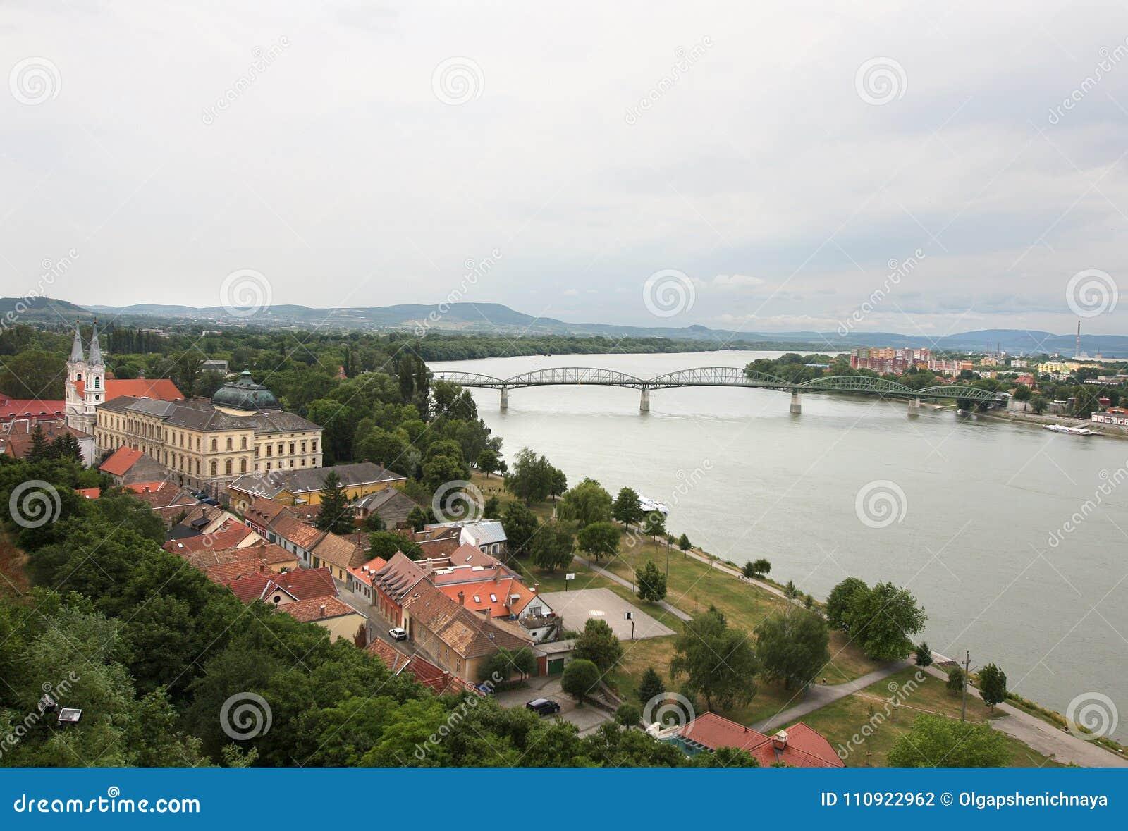 埃斯泰尔戈姆,多瑙河的,匈牙利城市