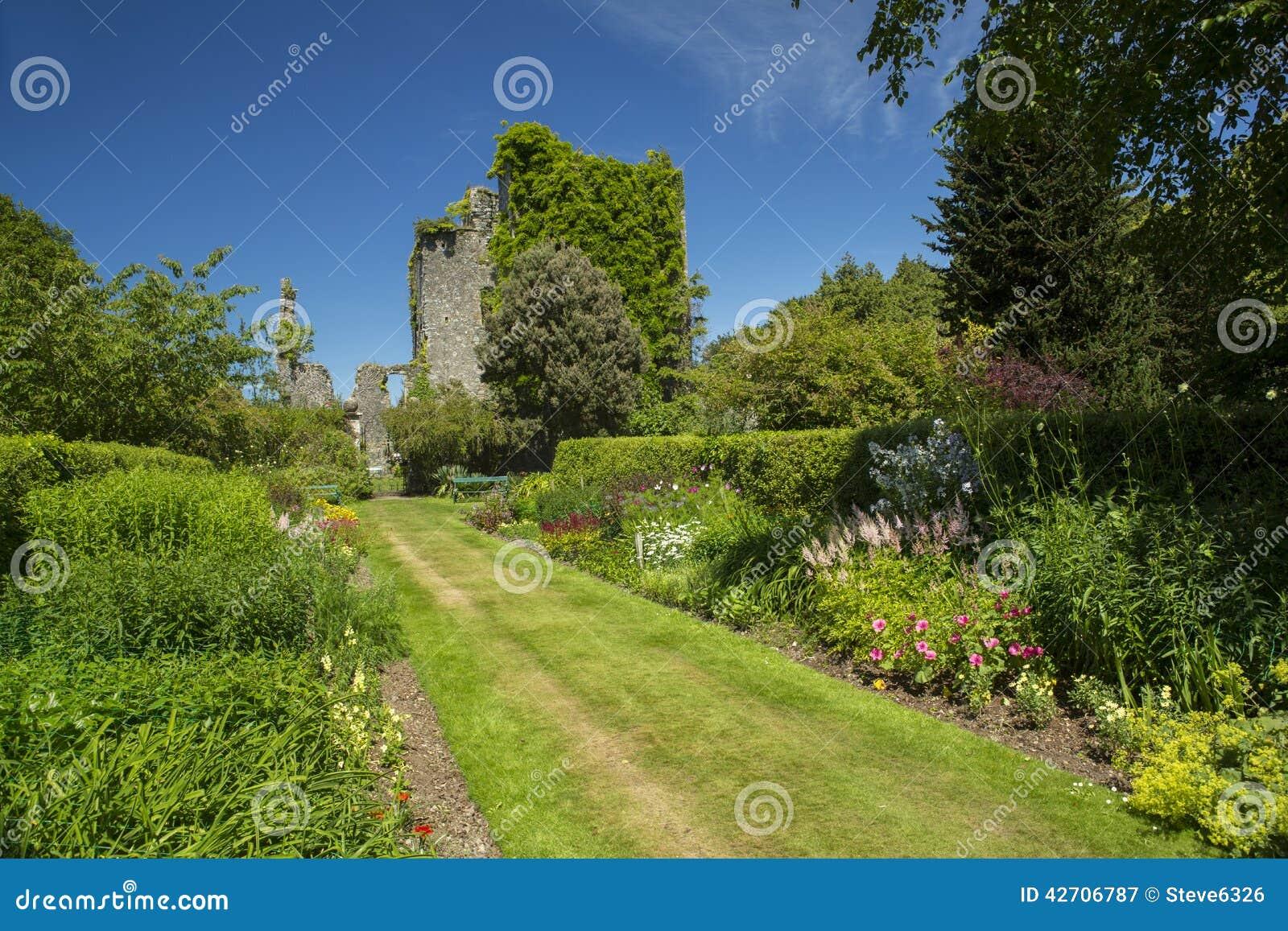 城堡肯尼迪和庭院