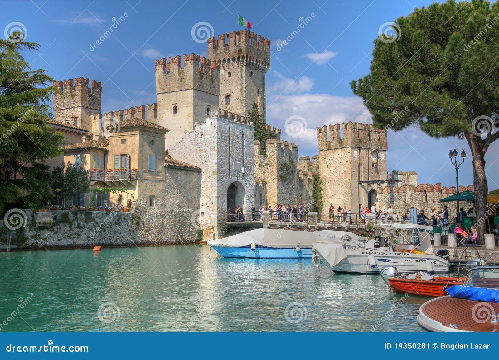 城堡garda意大利湖scaliger sirmione