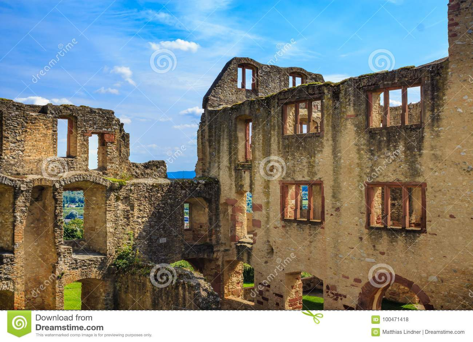 城堡Landskrone的废墟在奥彭海姆在Rheinhessen