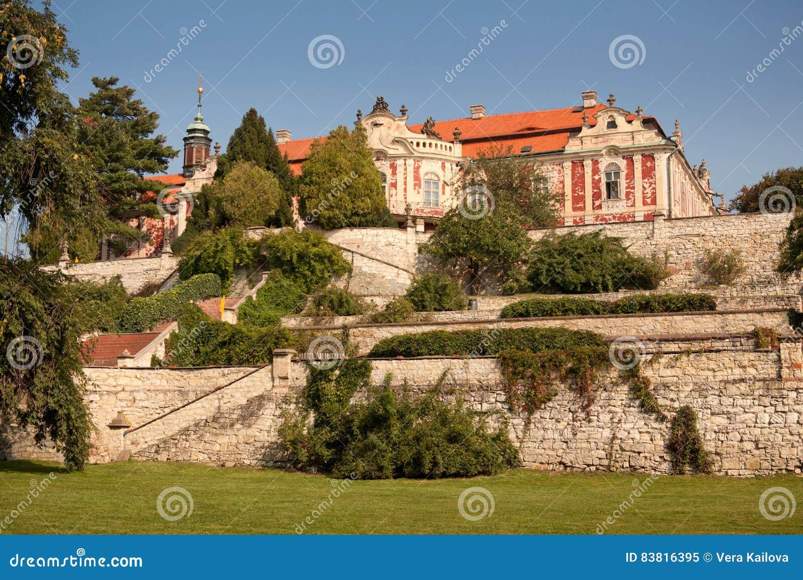 城堡Steknik