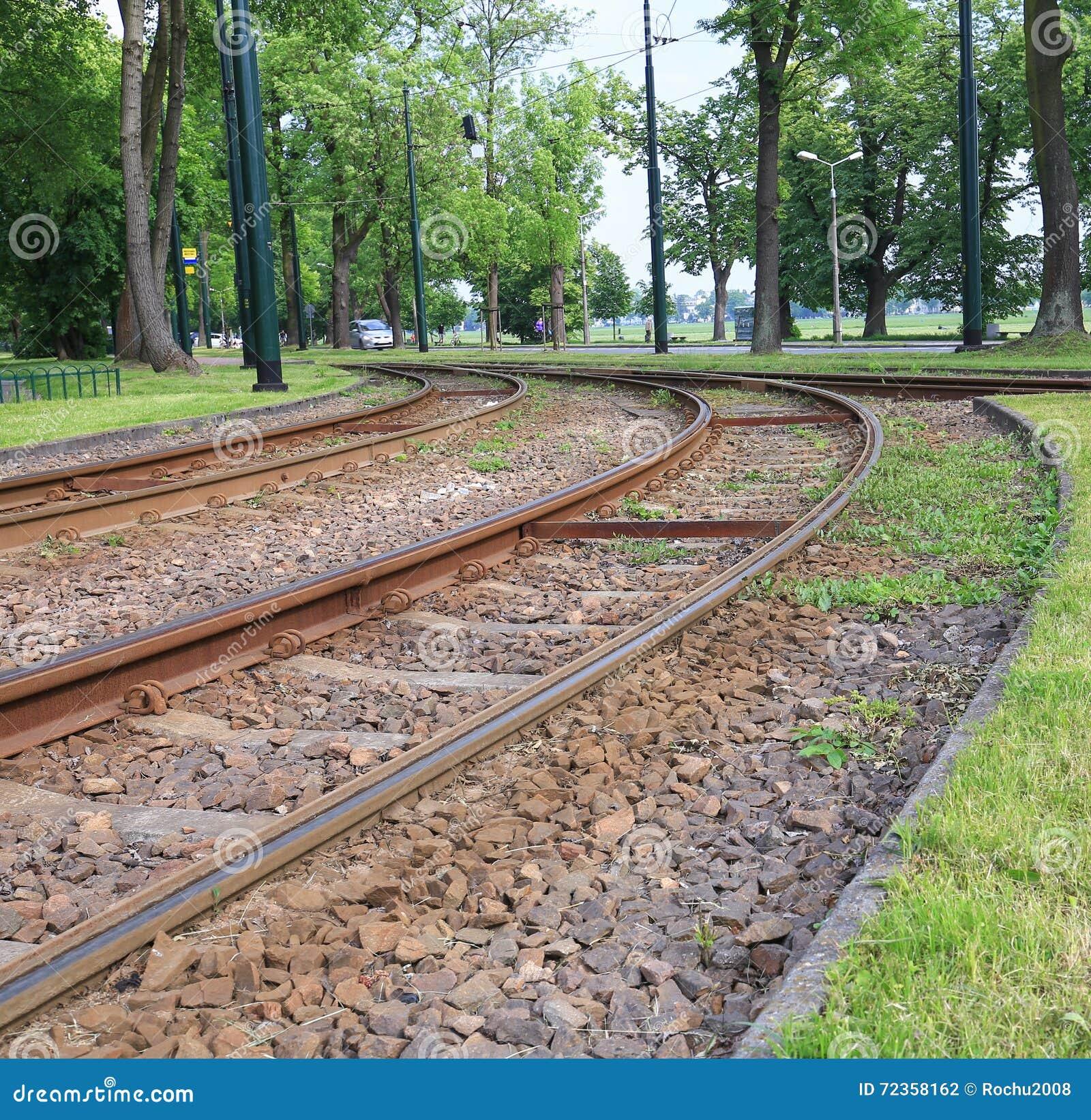 城市公开电车线的看法