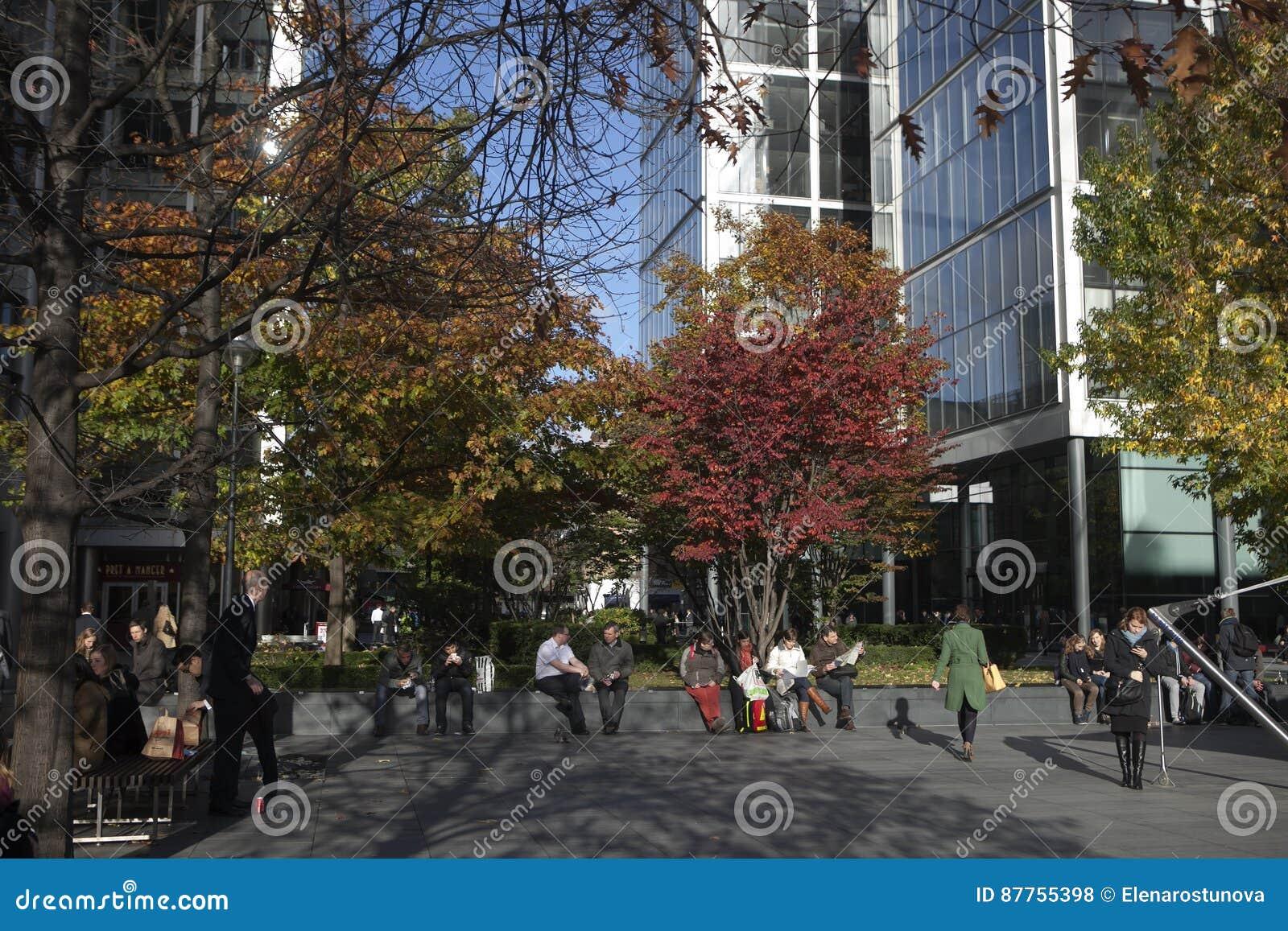 城市地区办事处大厦在利物浦街驻地附近的Bishopsgate构成Spitalfields的再生的部分