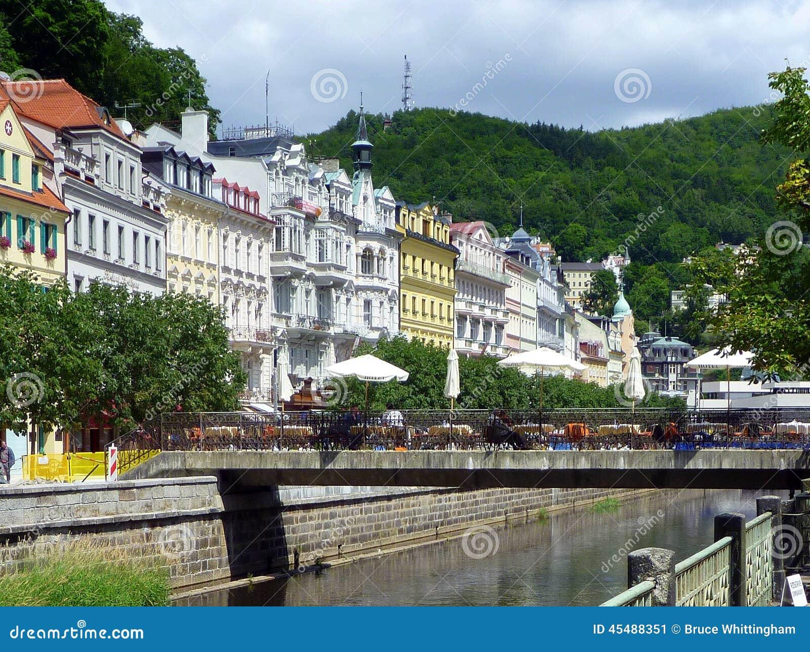 城市捷克karlovy共和国塔变化视图