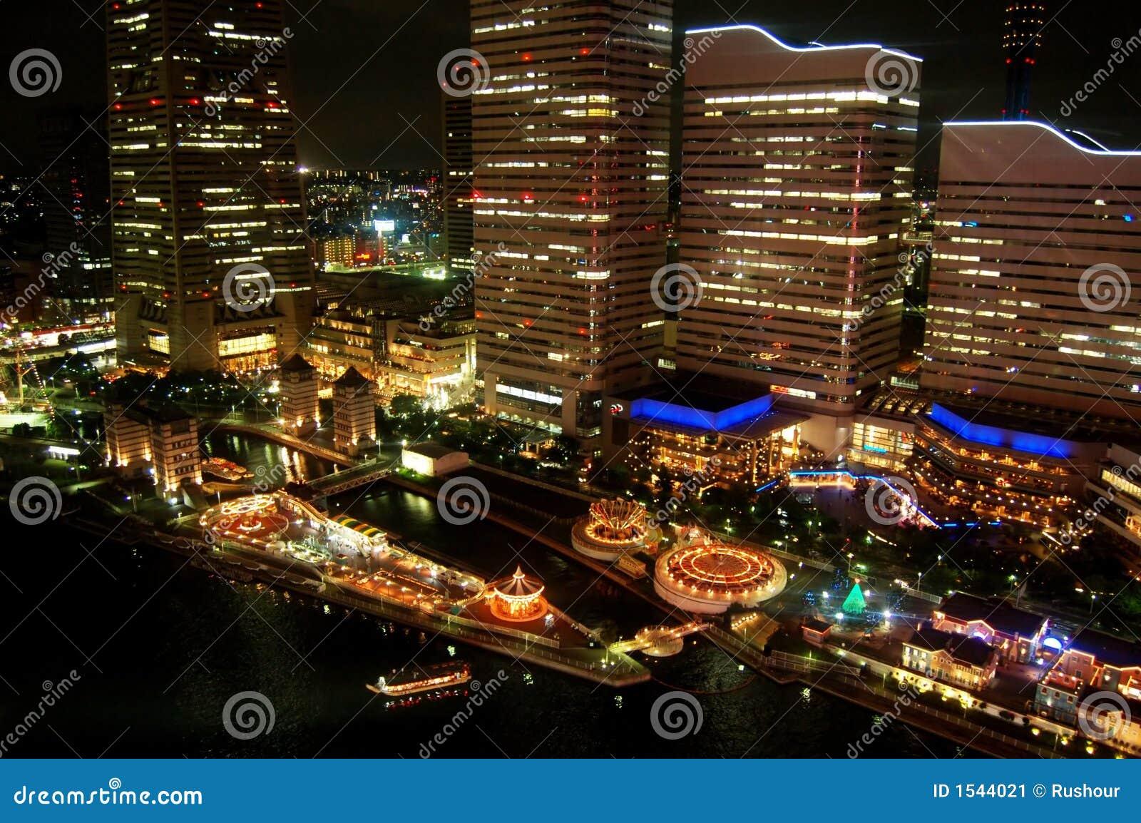 城市晚上横滨