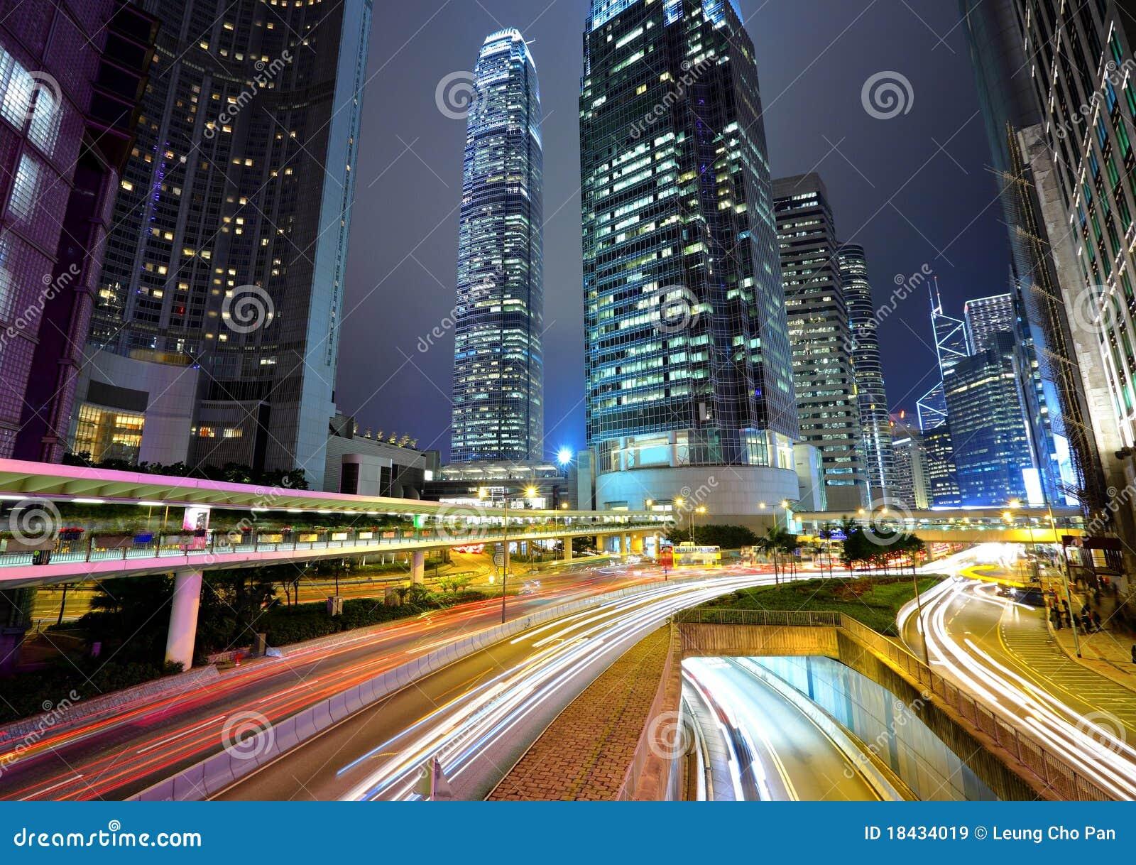城市晚上虽则交易