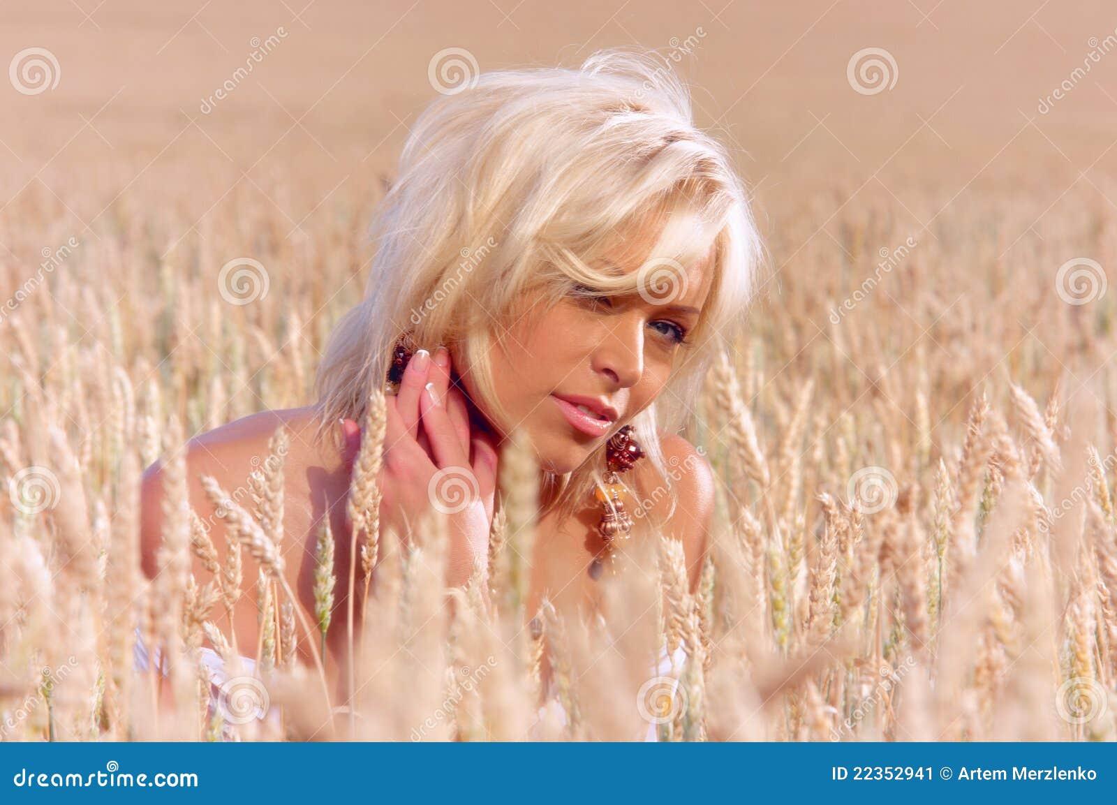 域麦子妇女