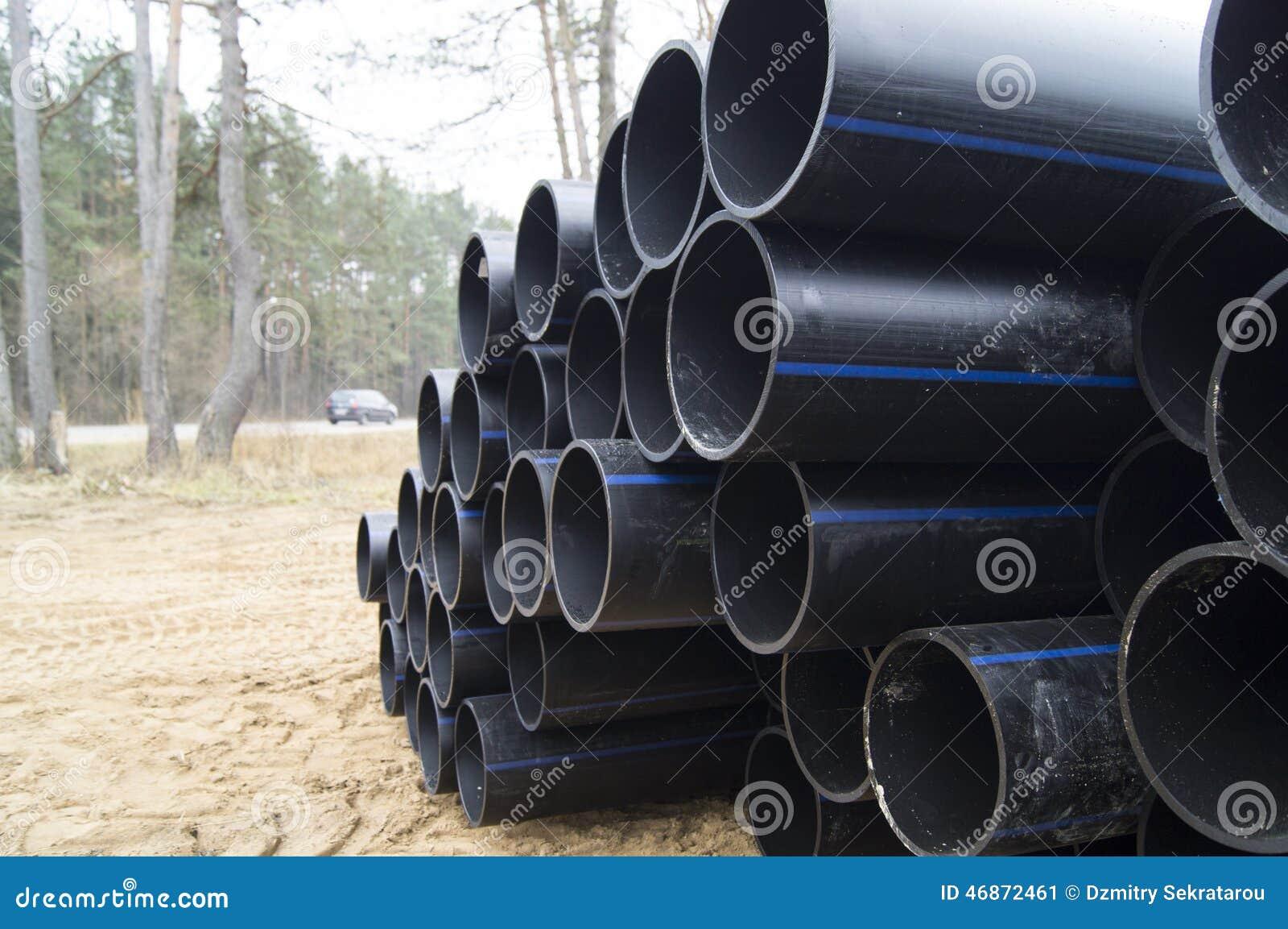 堆积大直径水管聚乙烯