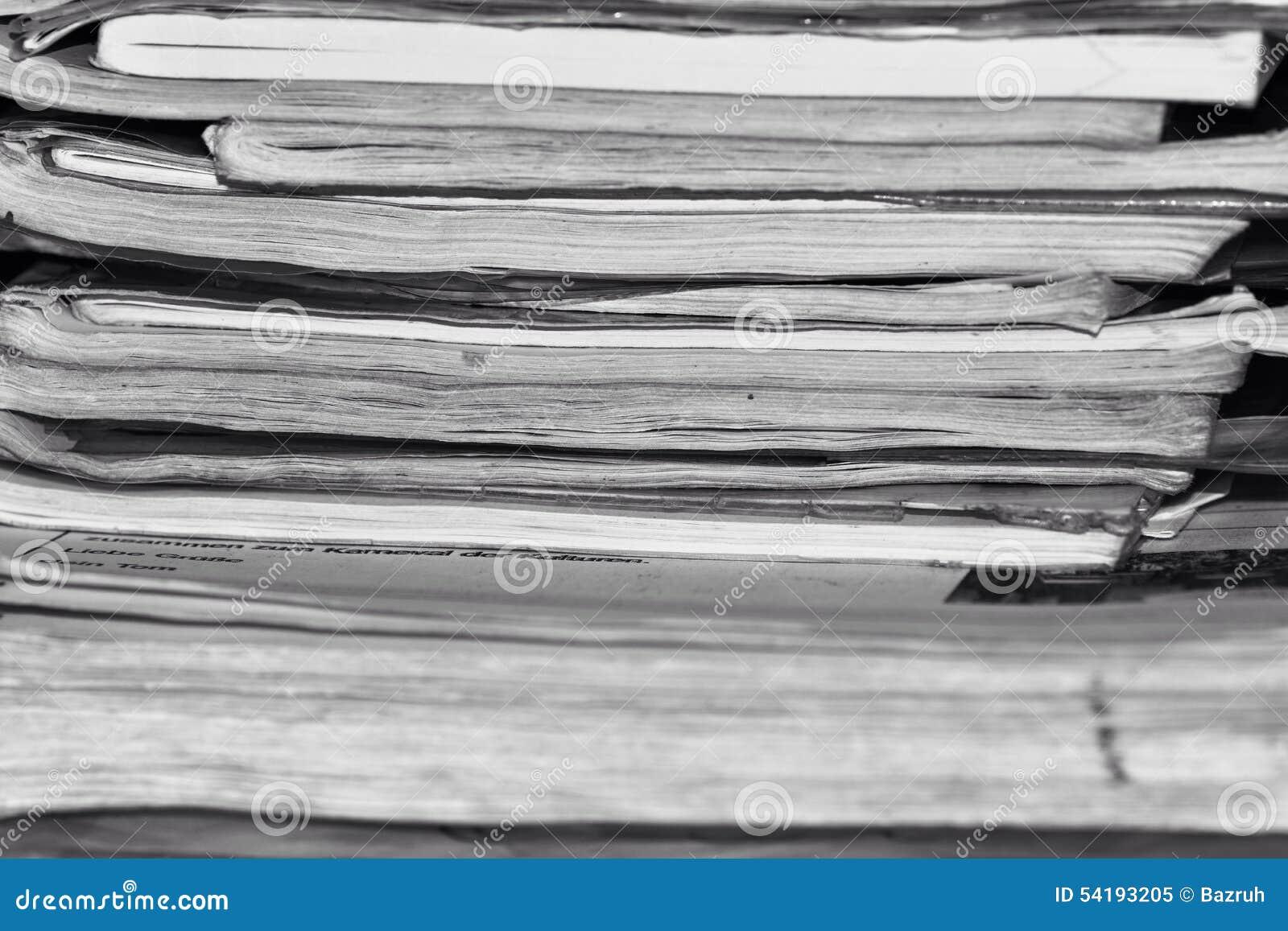 堆老笔记本,黑白照片